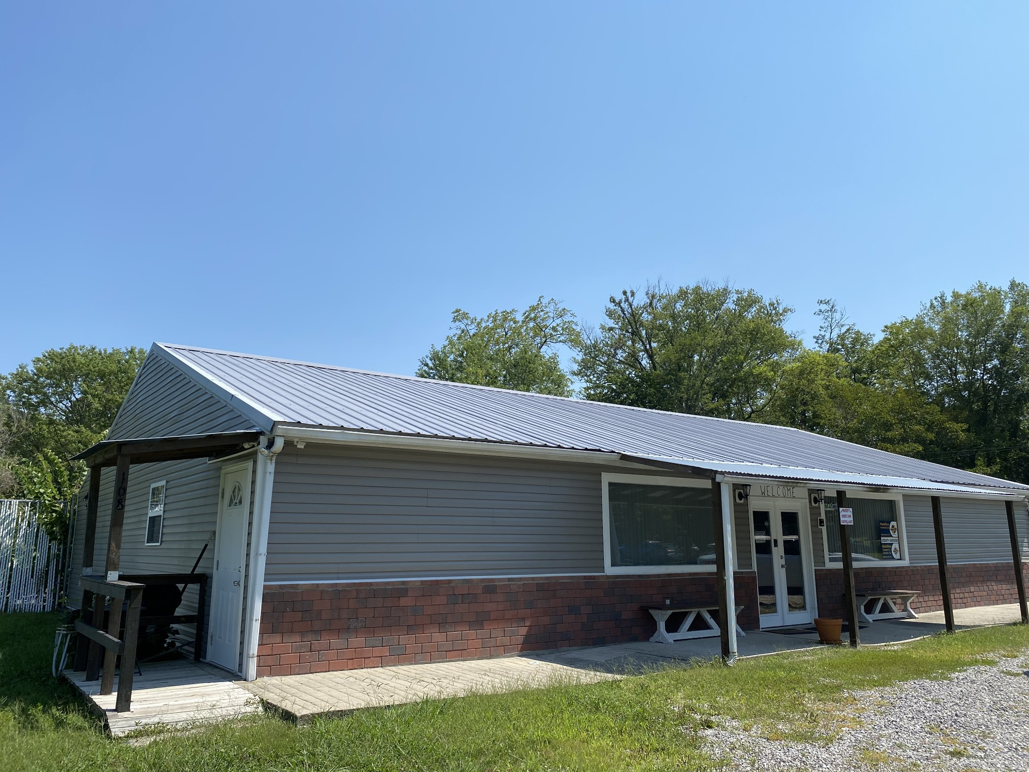 120 4th Ave S Property Photo - Baxter, TN real estate listing