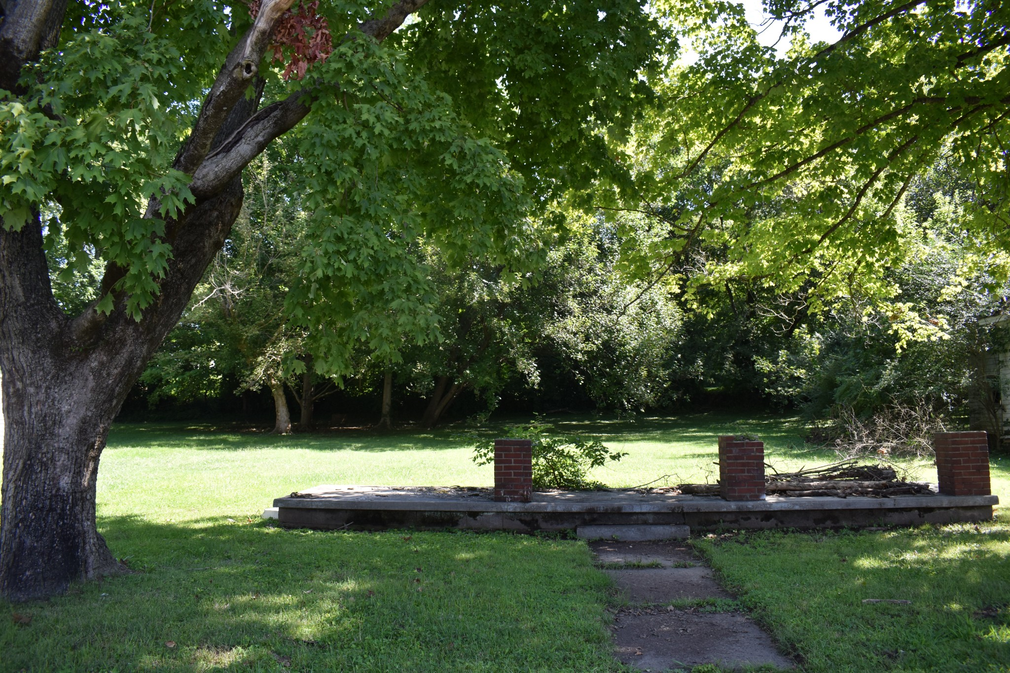 351 Cherry St Property Photo - Russellville, KY real estate listing