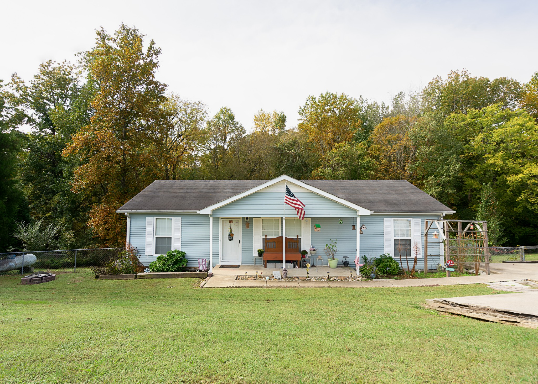 1224 Chapmansboro Rd Property Photo - Chapmansboro, TN real estate listing