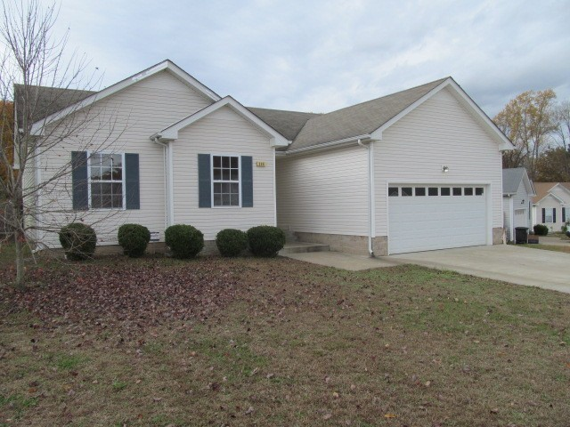 396 Paris Dr Property Photo - Clarksville, TN real estate listing
