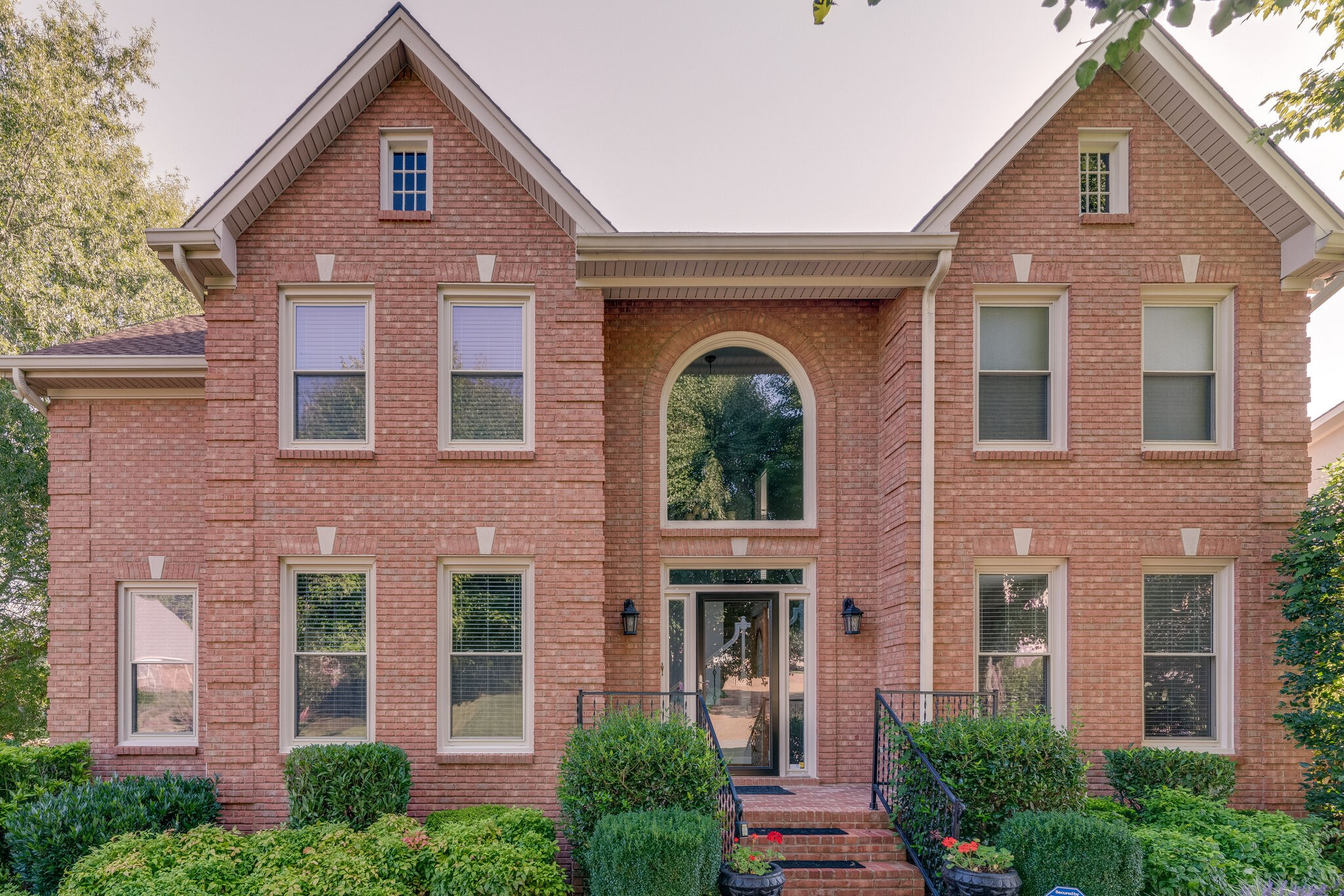 114 N Country Club Dr Property Photo - Hendersonville, TN real estate listing