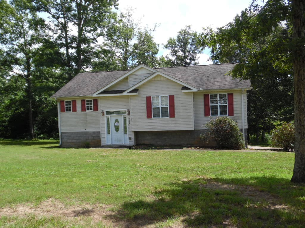 102 Fitzgerald Dr Property Photo - Erin, TN real estate listing