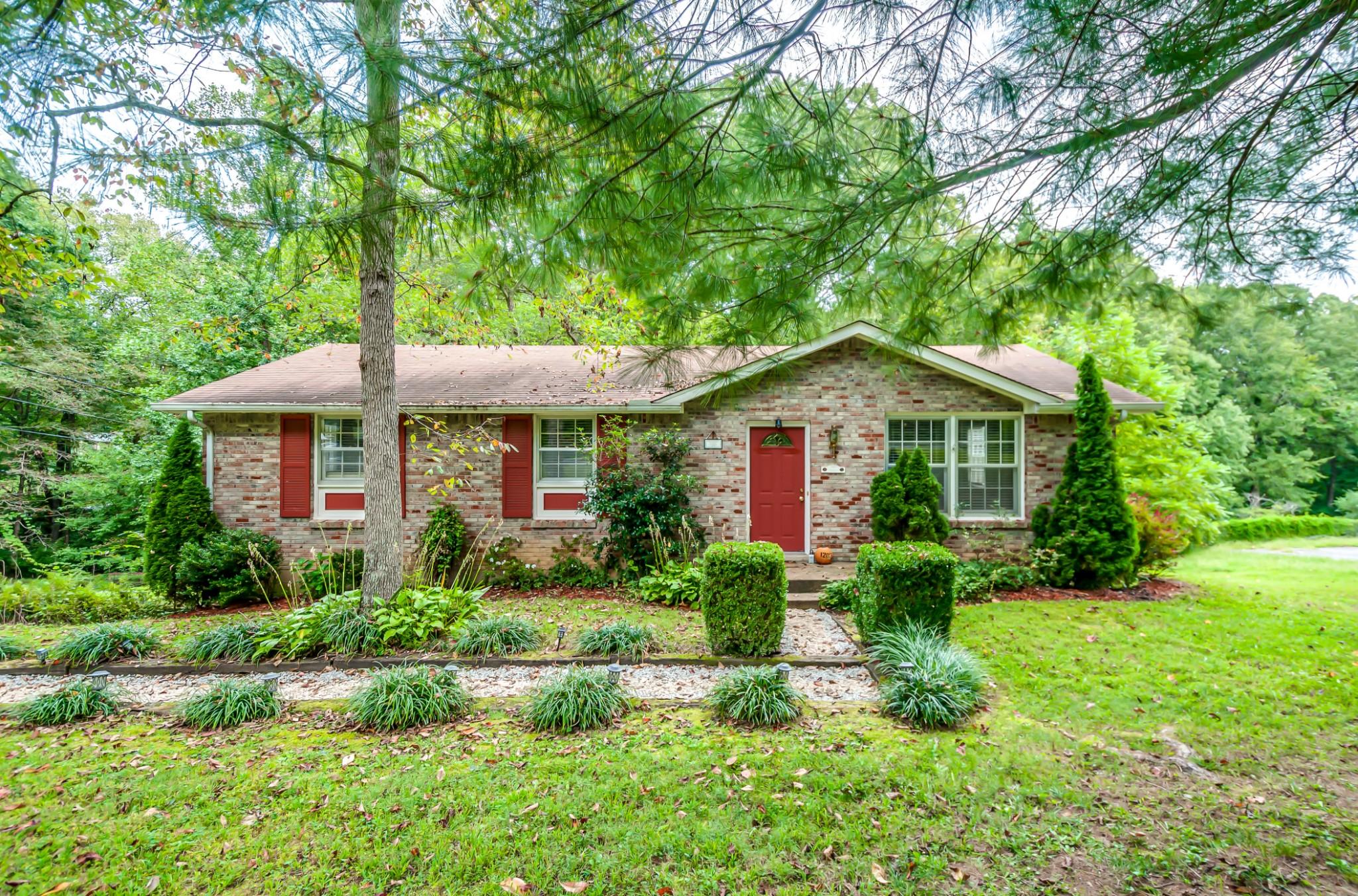 1203 Kingston Springs Rd Property Photo - Kingston Springs, TN real estate listing