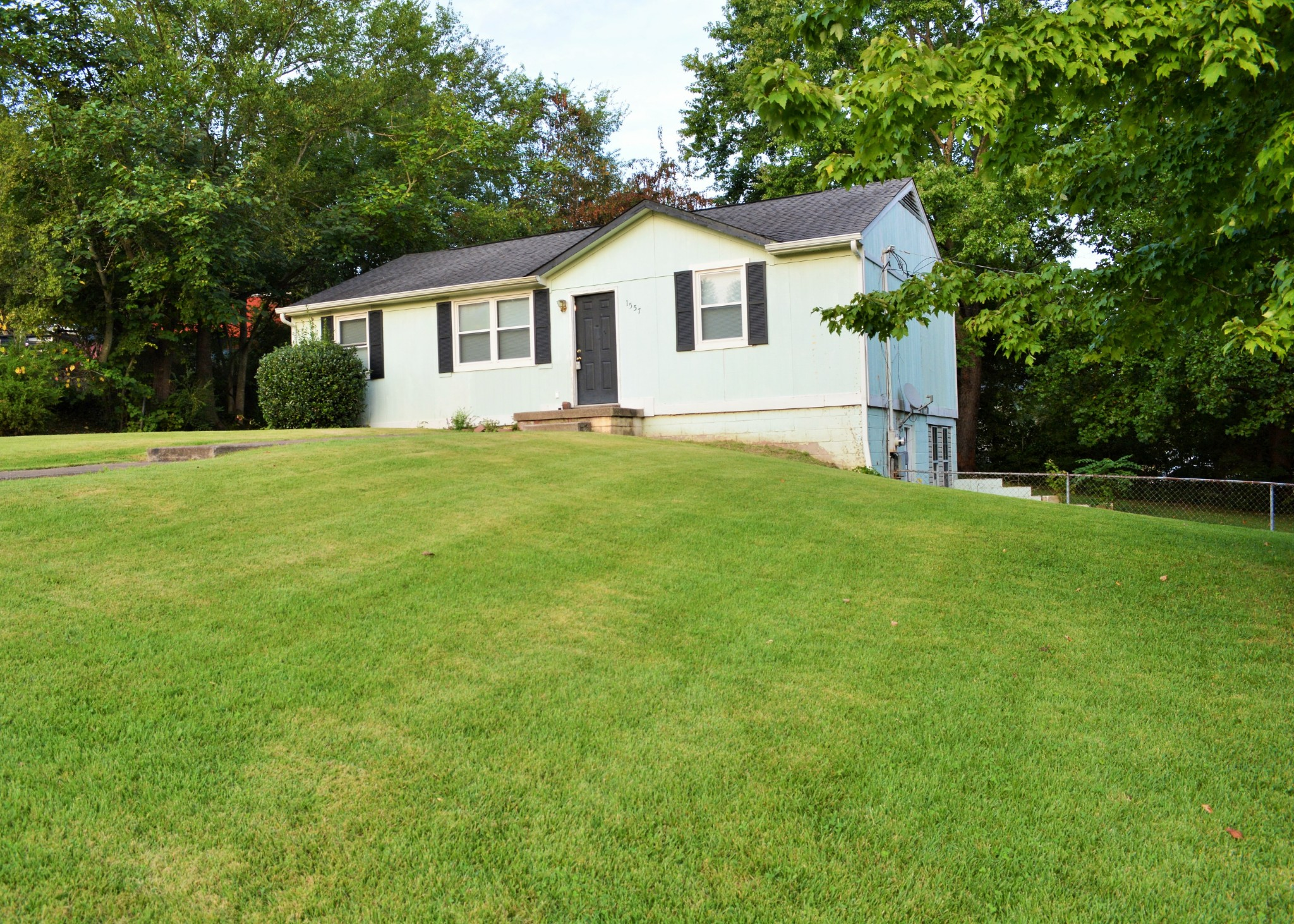 1557 Barber Ct Property Photo - Clarksville, TN real estate listing
