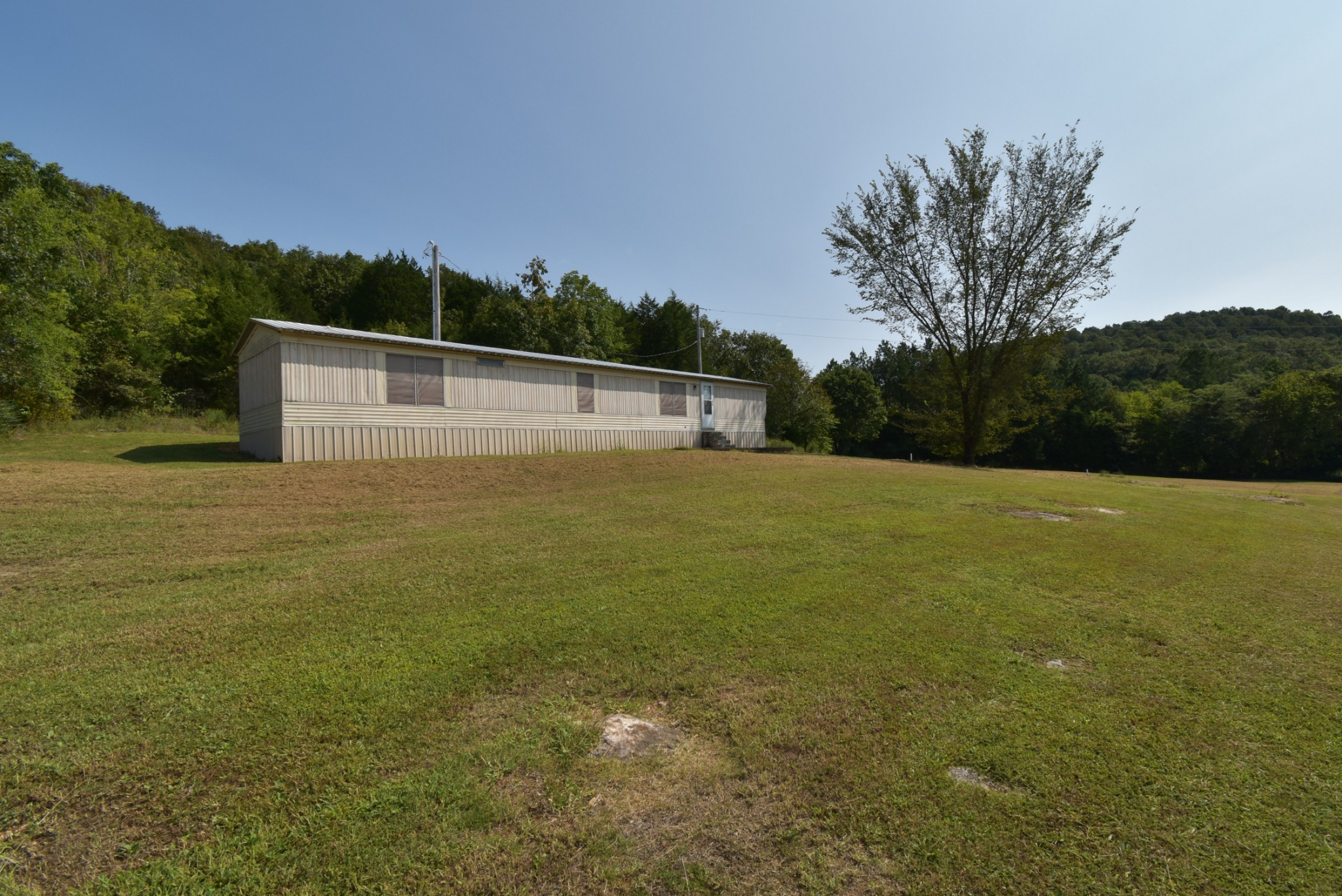 1076 Cedar Creek Rd Property Photo - Linden, TN real estate listing