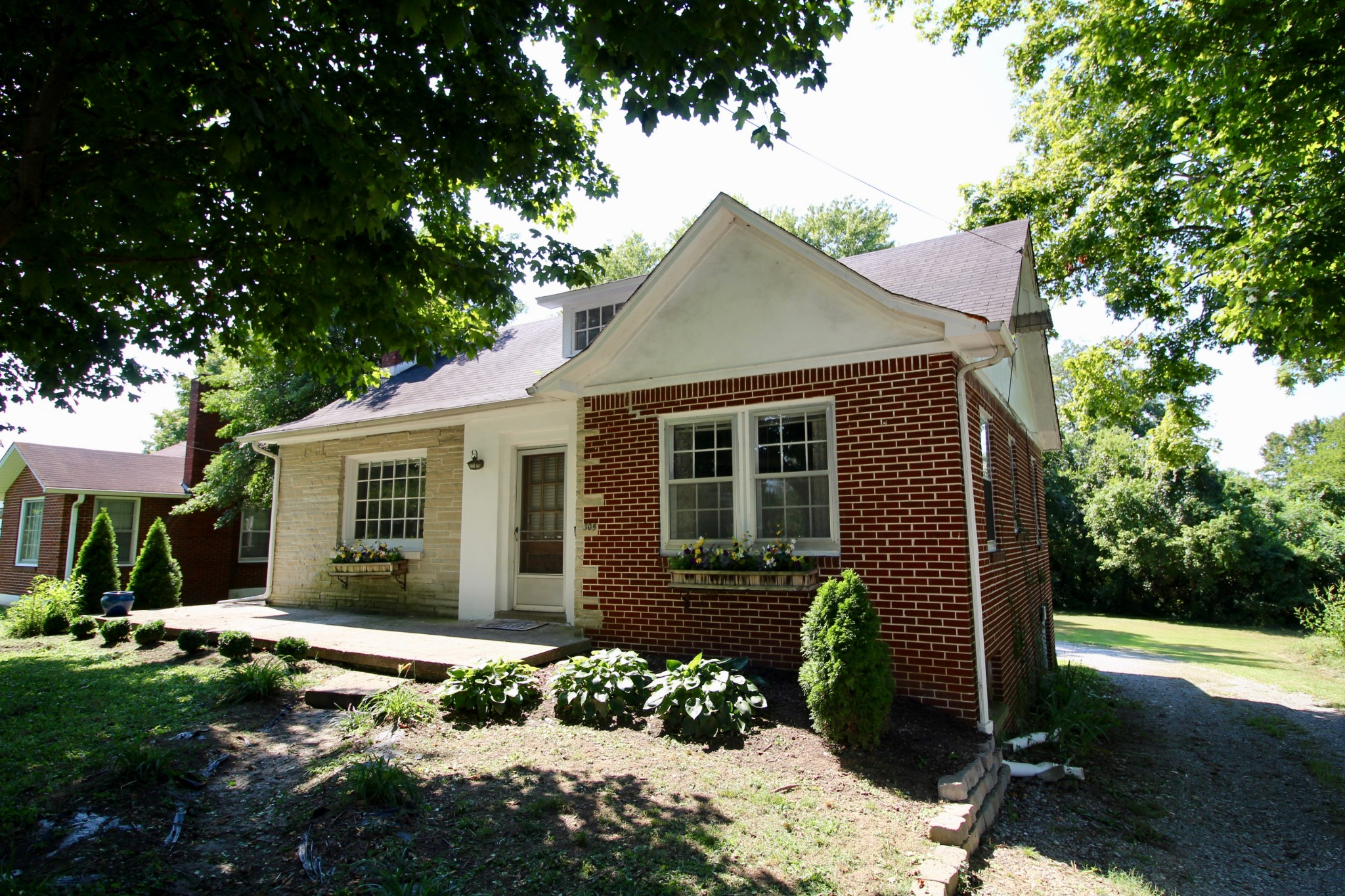 305 Andrews Ave Property Photo - Hartsville, TN real estate listing