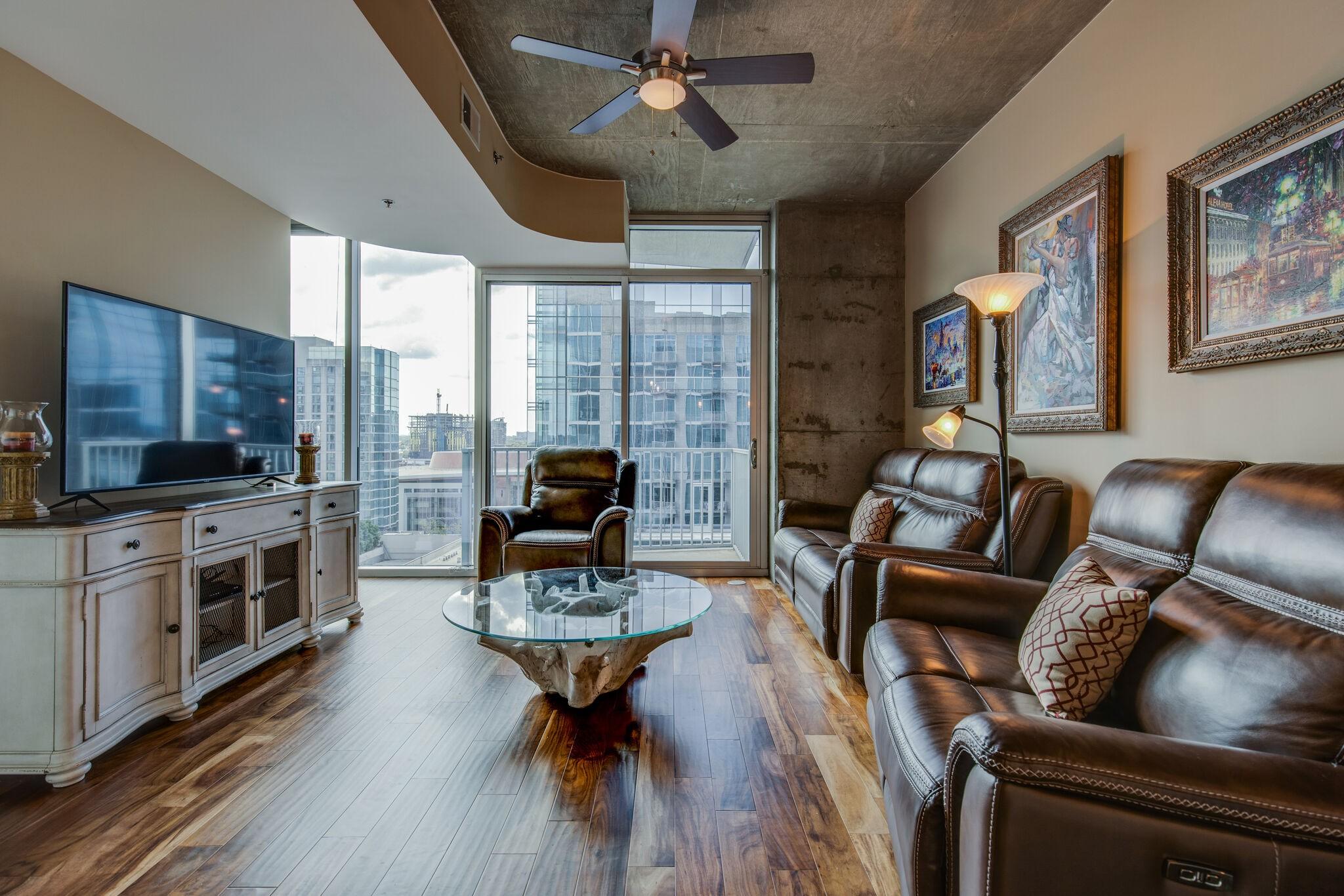 301 Demonbreun St #1717 Property Photo - Nashville, TN real estate listing