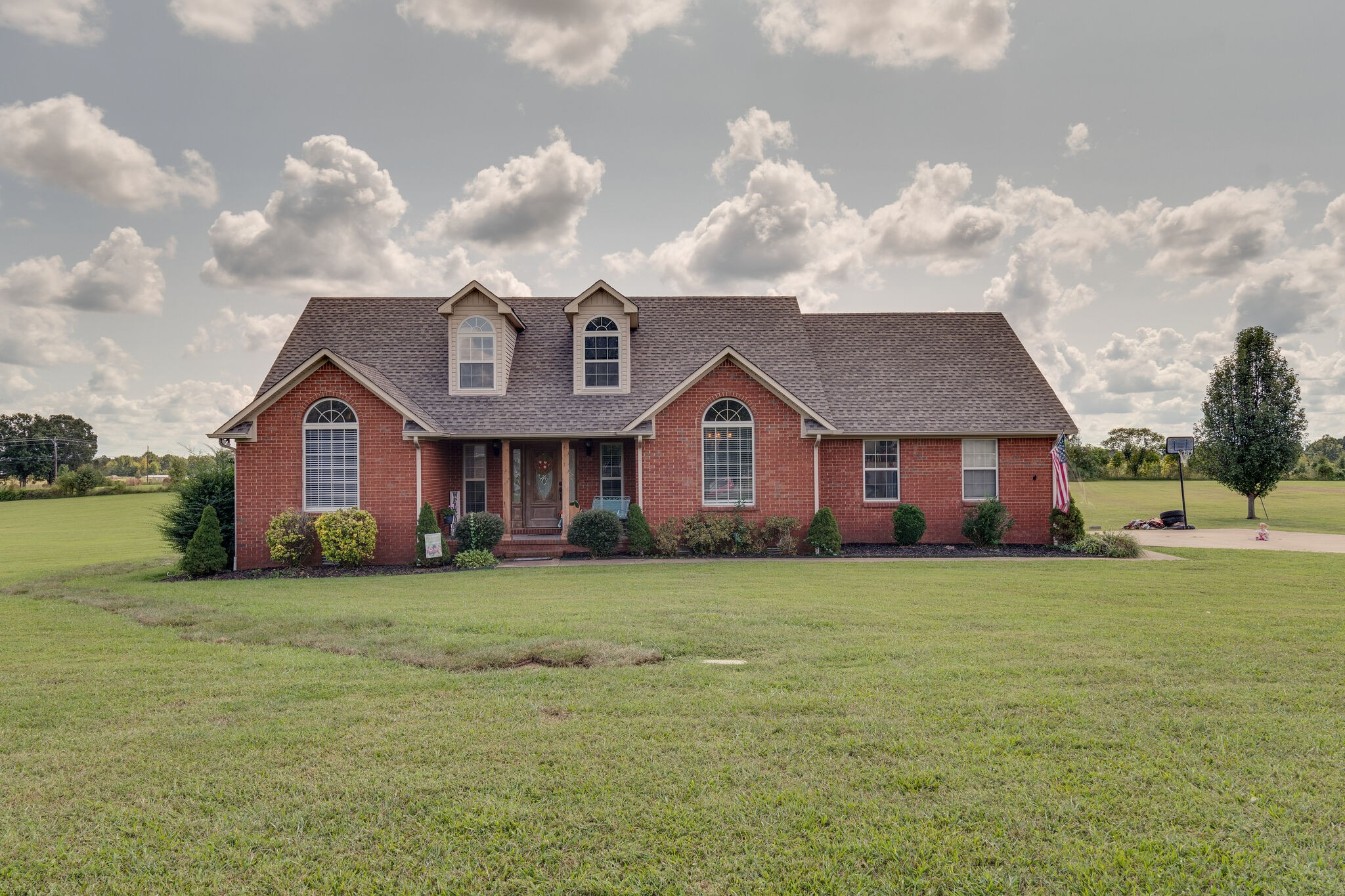 137 Tabor Pl Property Photo - Hohenwald, TN real estate listing