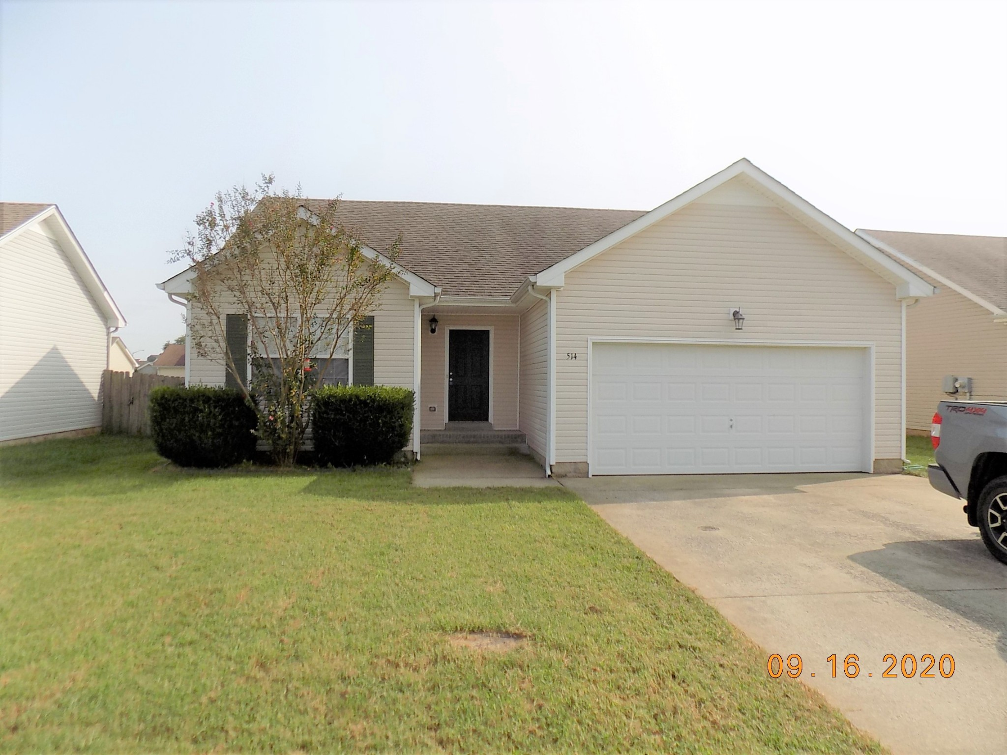 514 Oakmont Dr Property Photo - Clarksville, TN real estate listing