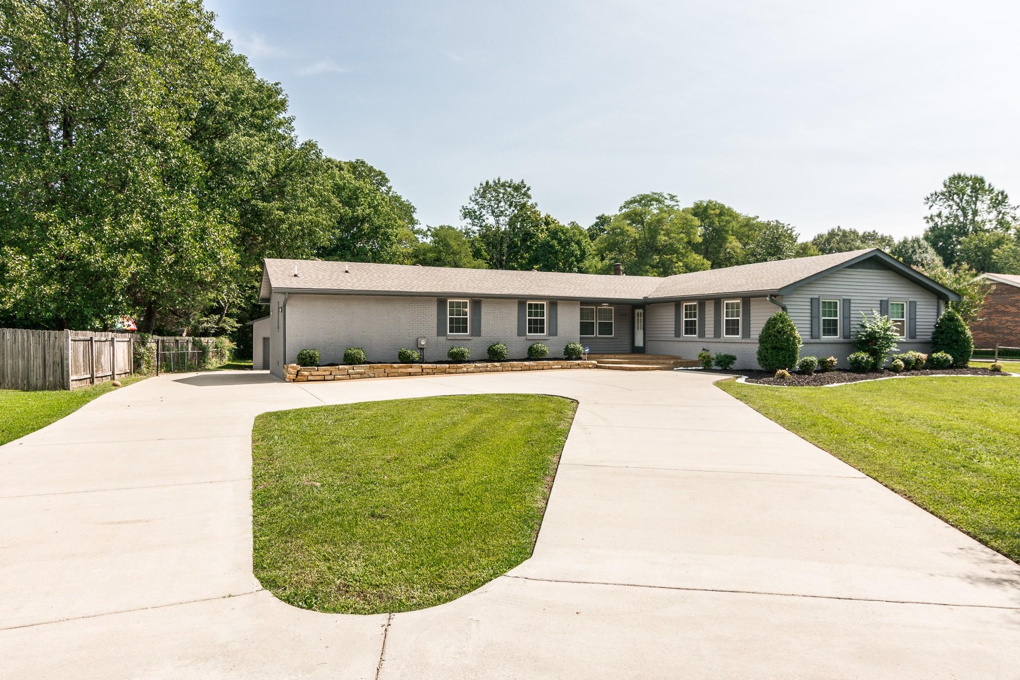 2479 Barwood Dr Property Photo - Greenbrier, TN real estate listing
