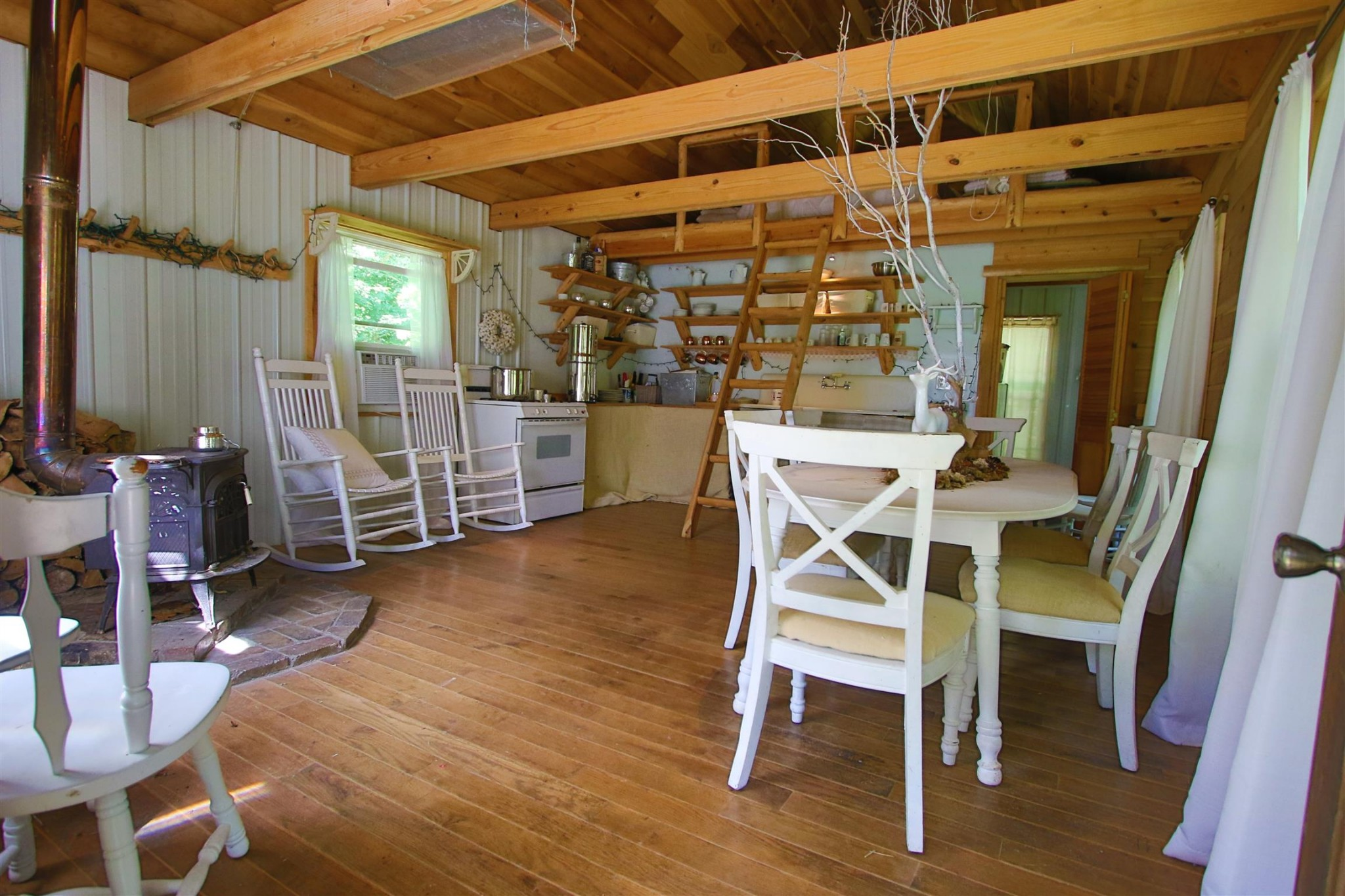 8388 S Tatum Creek Rd Property Photo - Lyles, TN real estate listing