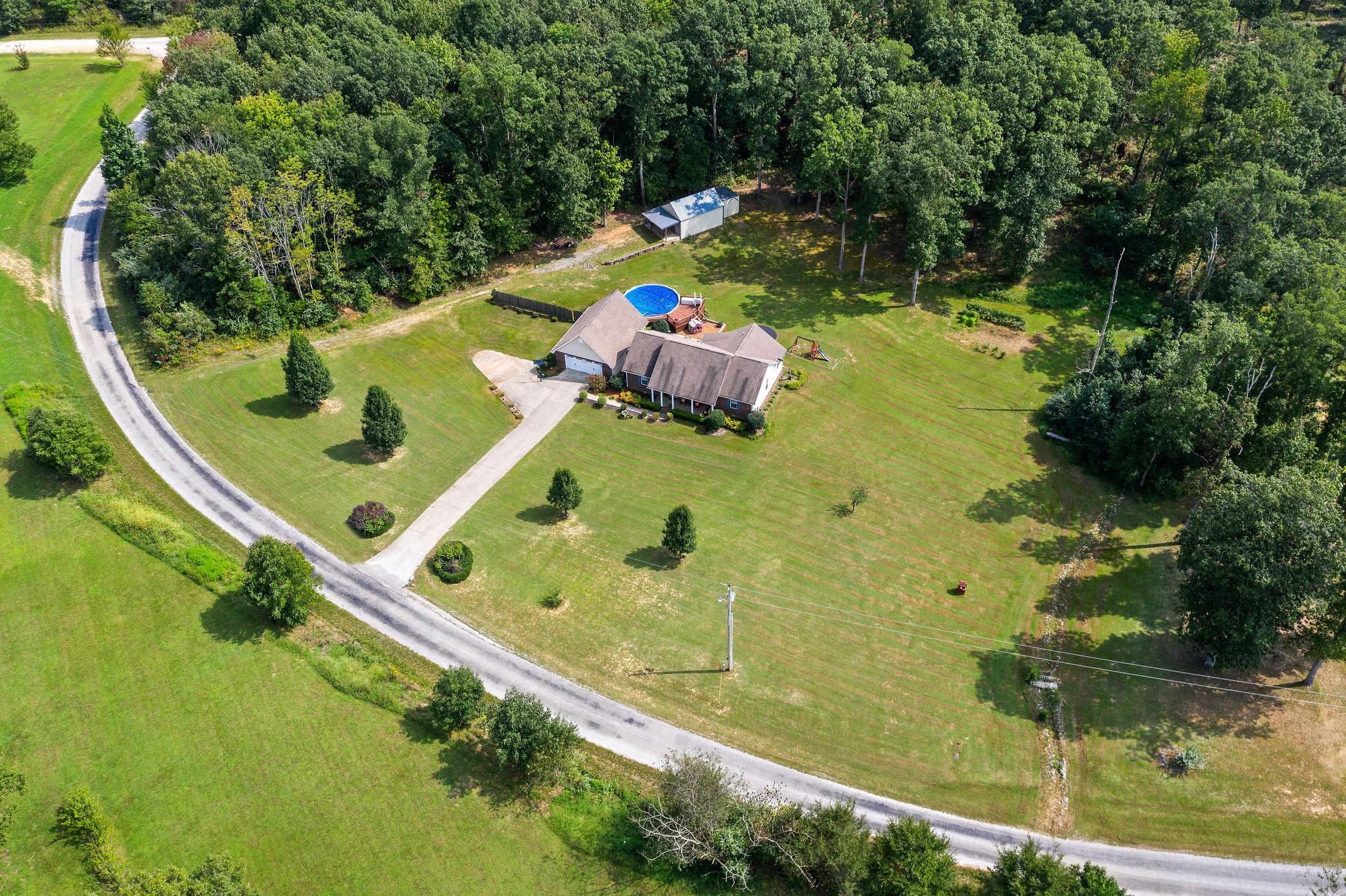 1104 Darrell Rye Rd Property Photo - Erin, TN real estate listing