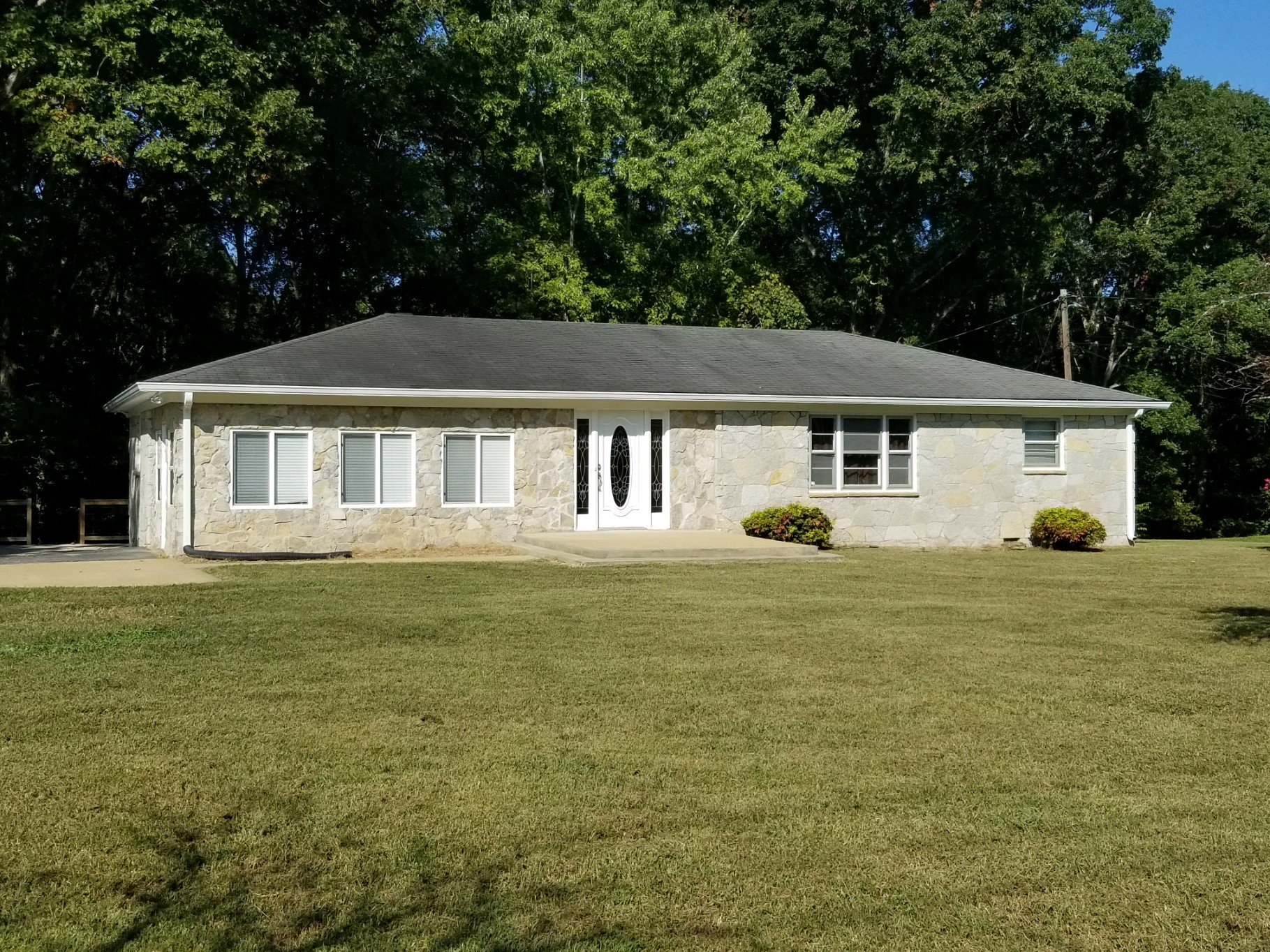 1085 Highway 100 Property Photo - Centerville, TN real estate listing