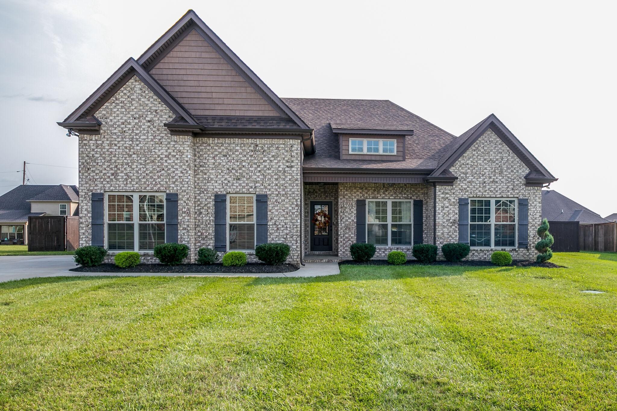206 Cora Beth Ct Property Photo - Lascassas, TN real estate listing