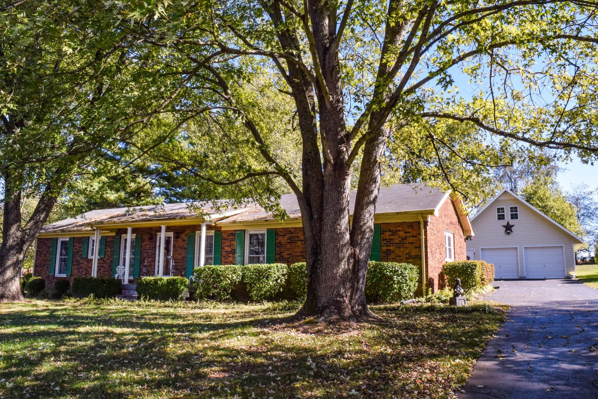 304 Greenfield Ln Property Photo - Castalian Springs, TN real estate listing