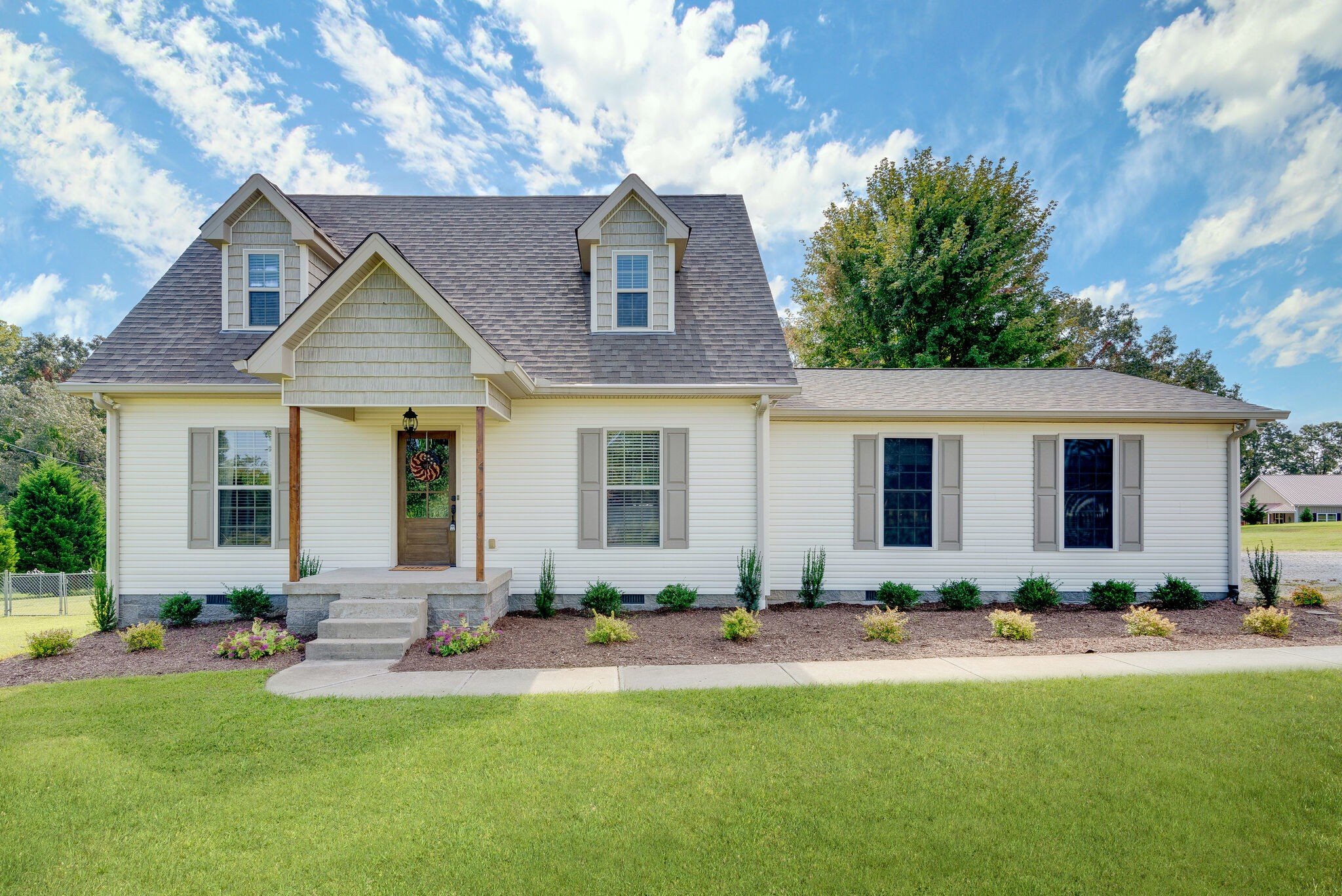 994 Hoover Road Property Photo - Burns, TN real estate listing