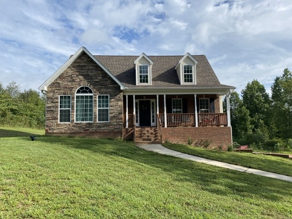 107 Brook Hollow Ct Property Photo - Bon Aqua, TN real estate listing