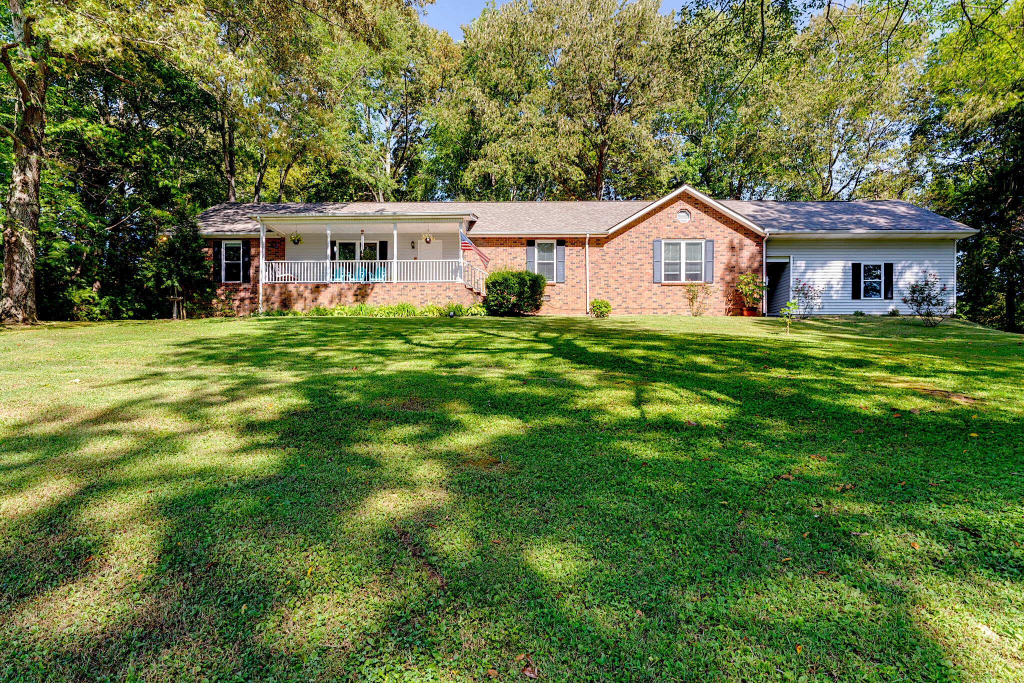 1548 Hidden Meadow Dr Property Photo - Cottontown, TN real estate listing