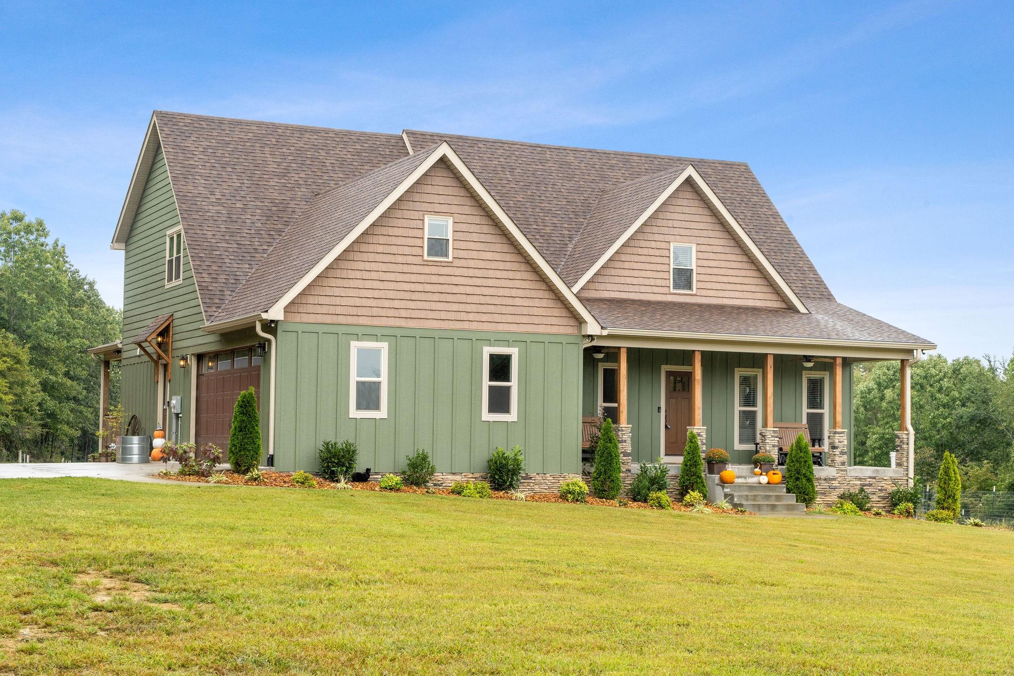 1095 Green Shanty Rd Property Photo - Tennessee Ridge, TN real estate listing