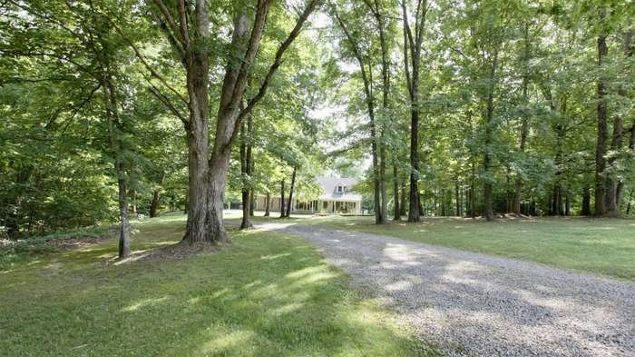 199 Broaderick Ln Property Photo - Cottontown, TN real estate listing