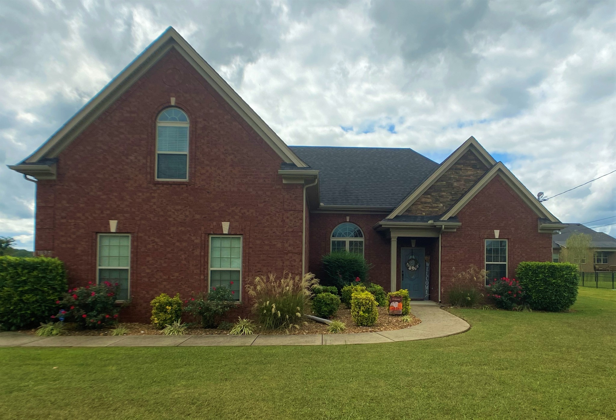 1037 Spring Creek Dr Property Photo - Murfreesboro, TN real estate listing