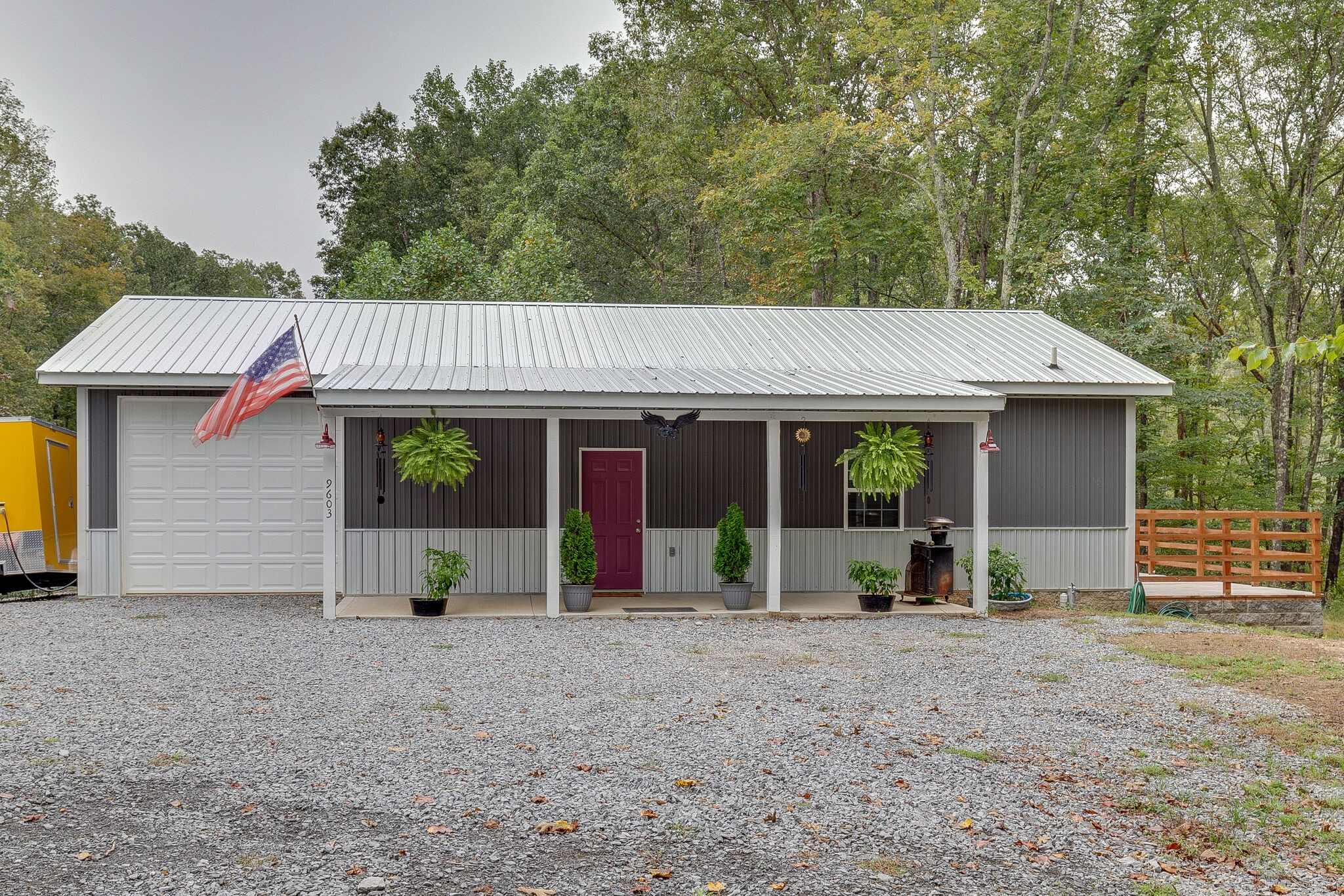 9603 S Lick Creek Rd Property Photo - Lyles, TN real estate listing