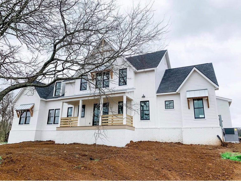 5012 Gates Mills Ridge Property Photo - Thompsons Station, TN real estate listing