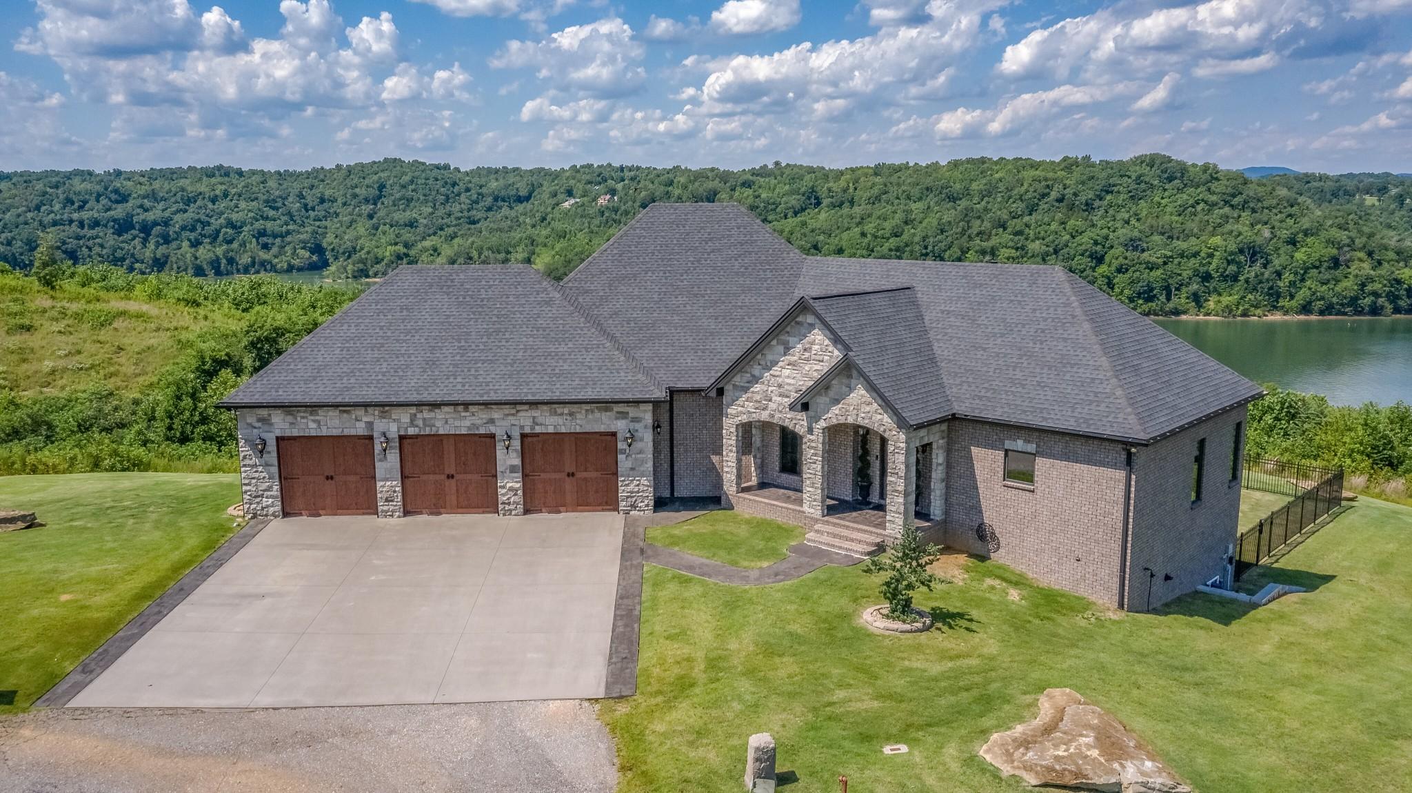 38549 Real Estate Listings Main Image