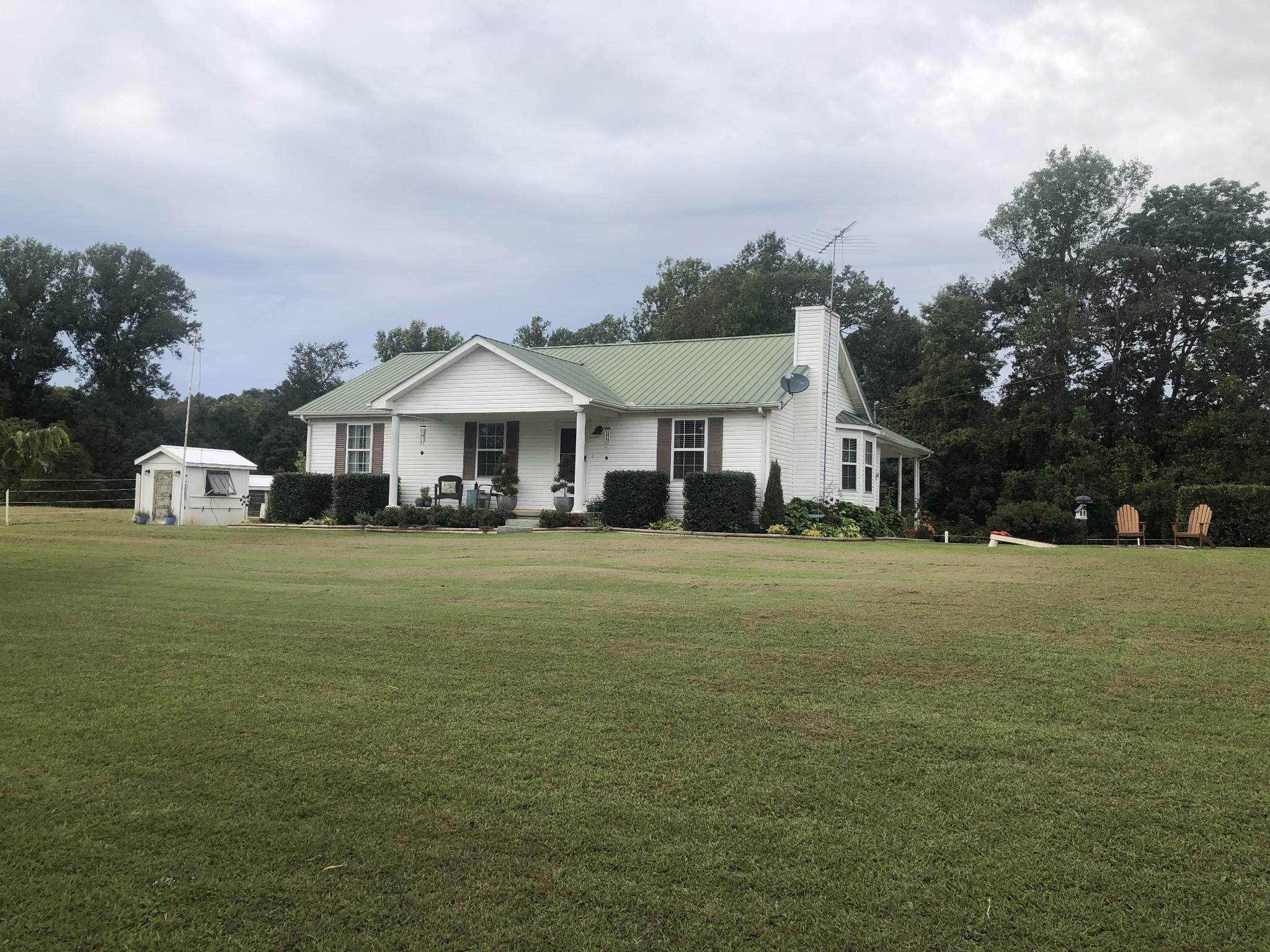 5757 Little Hurricane Creek Rd Property Photo - MC EWEN, TN real estate listing