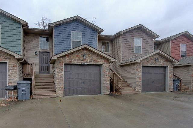 1722 Thistlewood Drive #C #C Property Photo - Clarksville, TN real estate listing