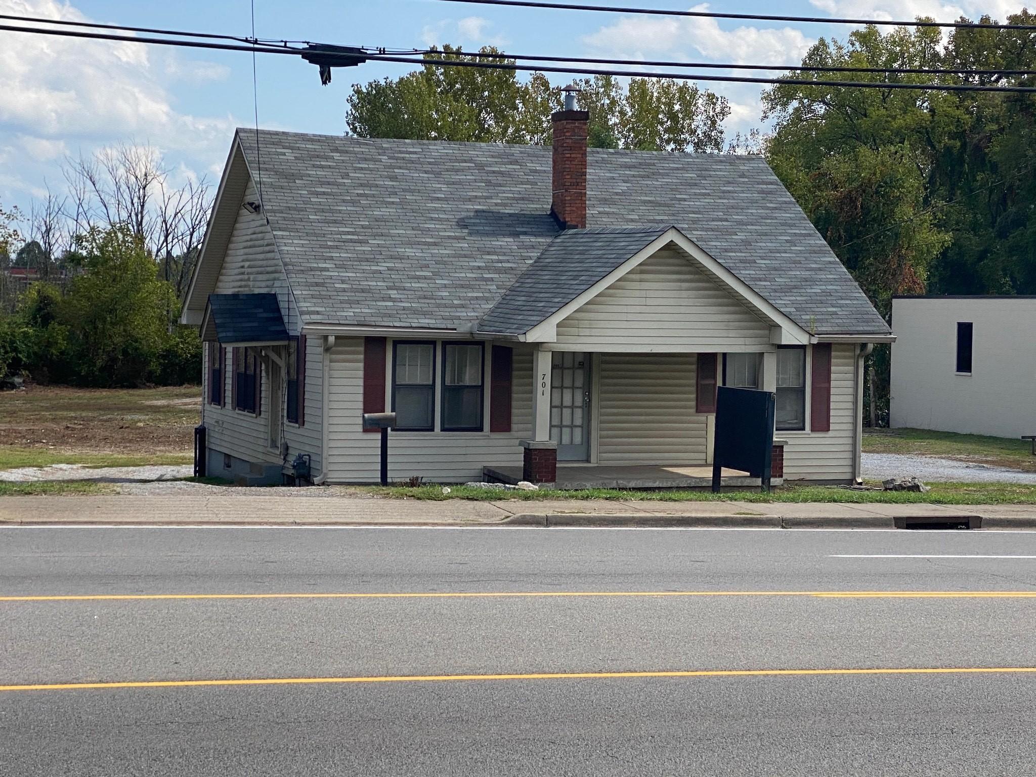 701 S Church St Property Photo
