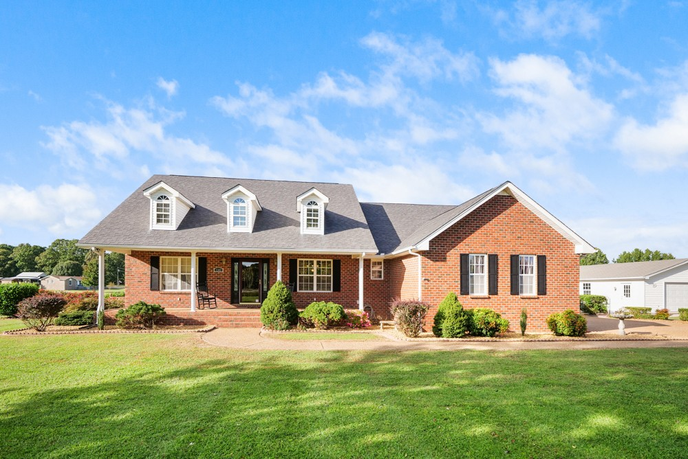1303 Abiff Rd Property Photo - Bon Aqua, TN real estate listing
