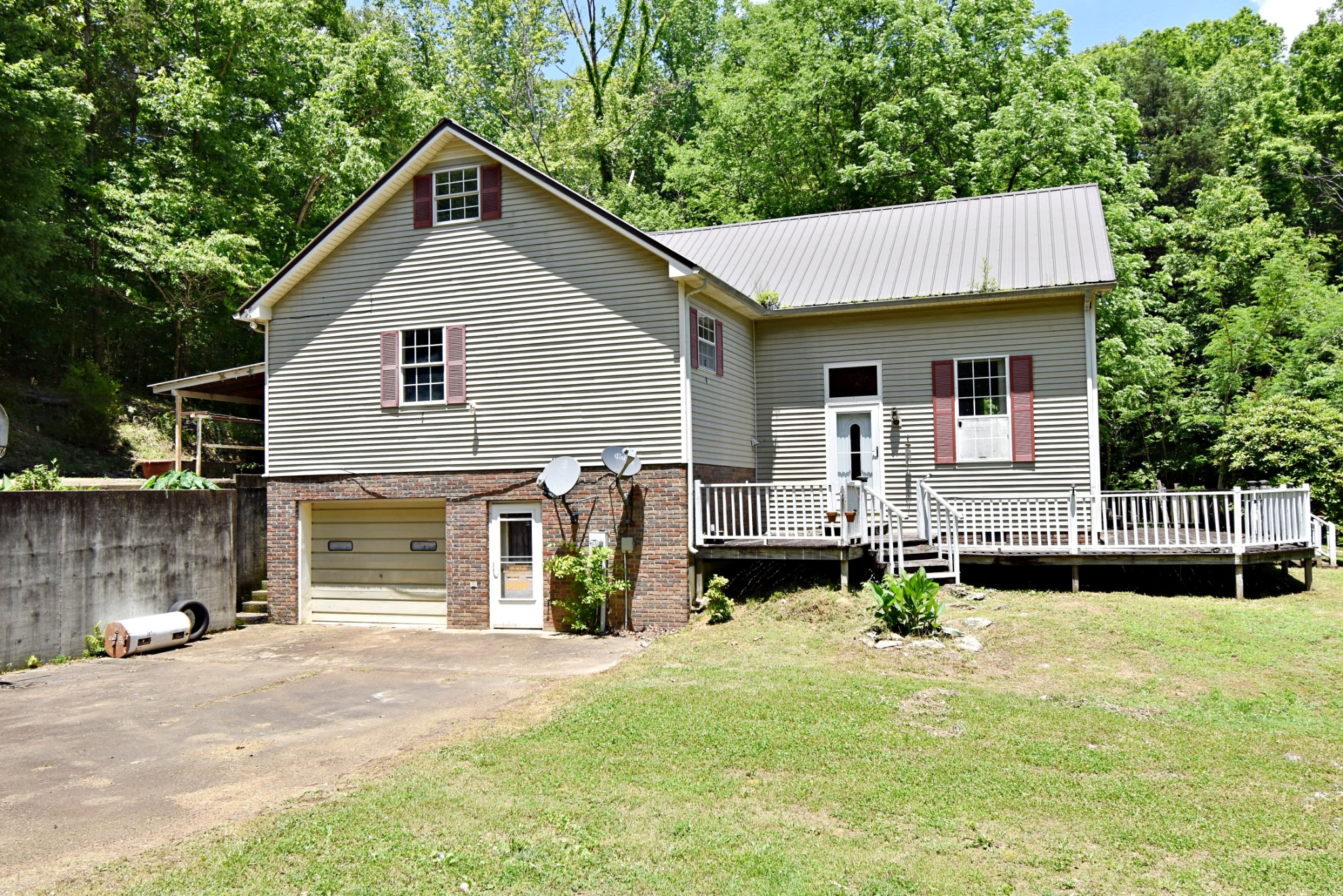 3331 Highway 100 Property Photo - Linden, TN real estate listing