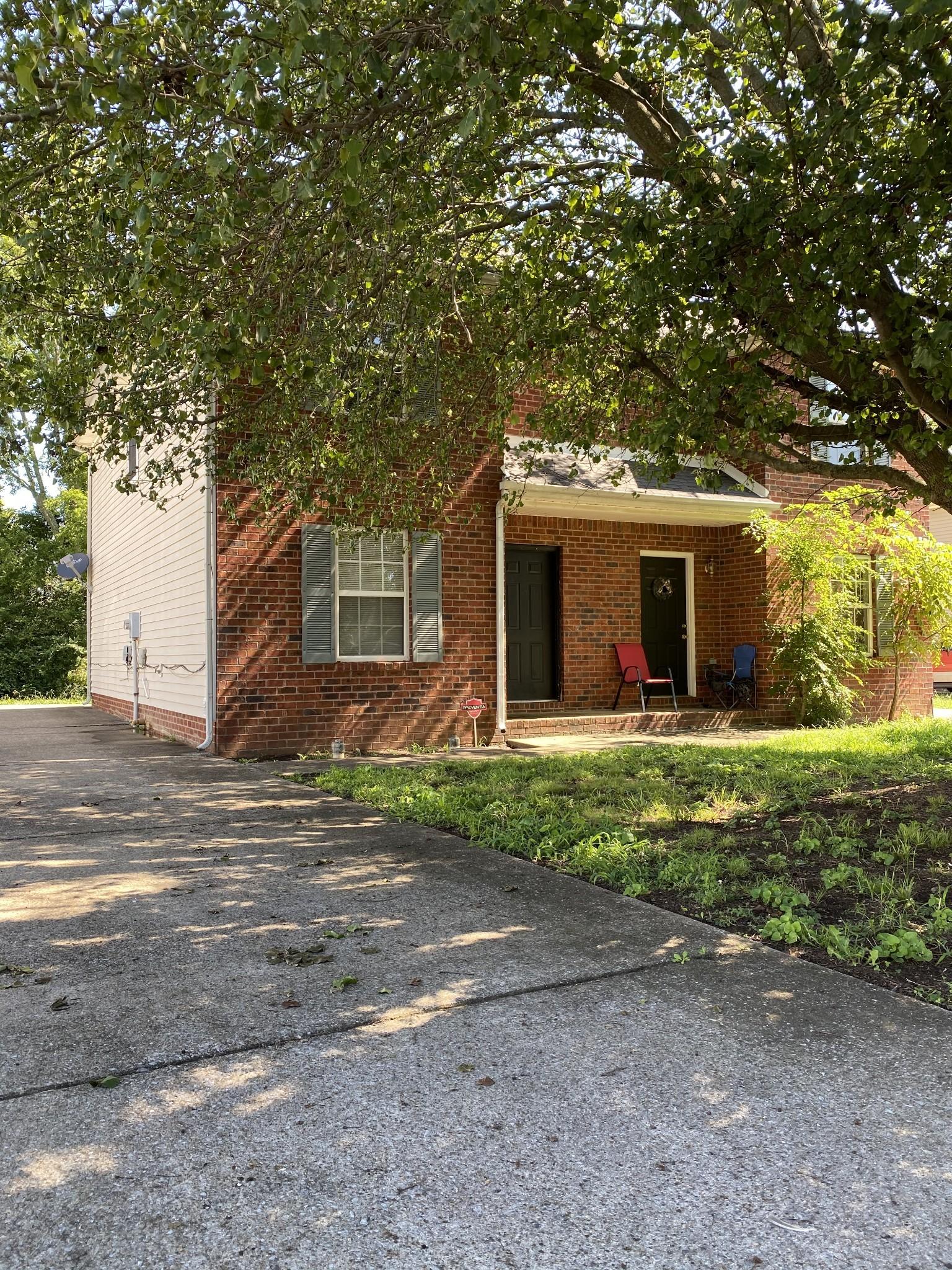 1547 Center Pointe Dr Property Photo