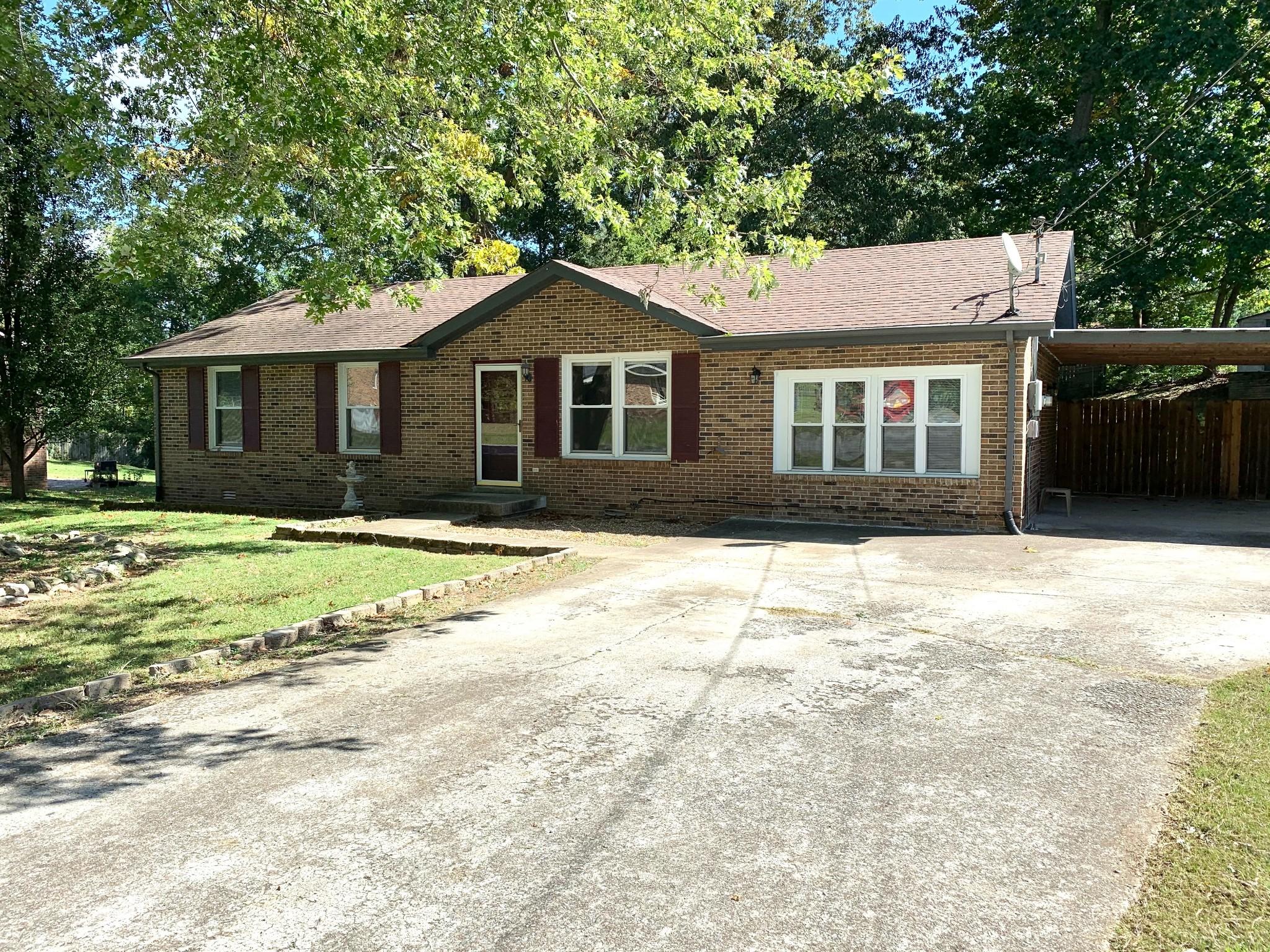 624 Linda Ln Property Photo - Clarksville, TN real estate listing