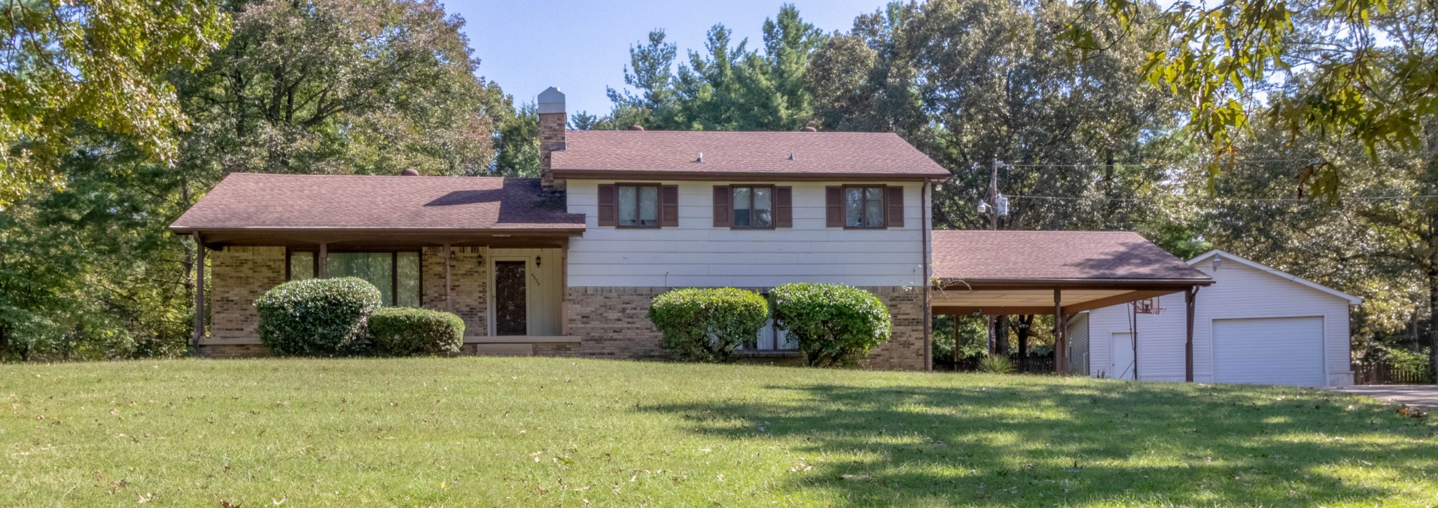 4525 Louise Creek Rd Property Photo - Cunningham, TN real estate listing