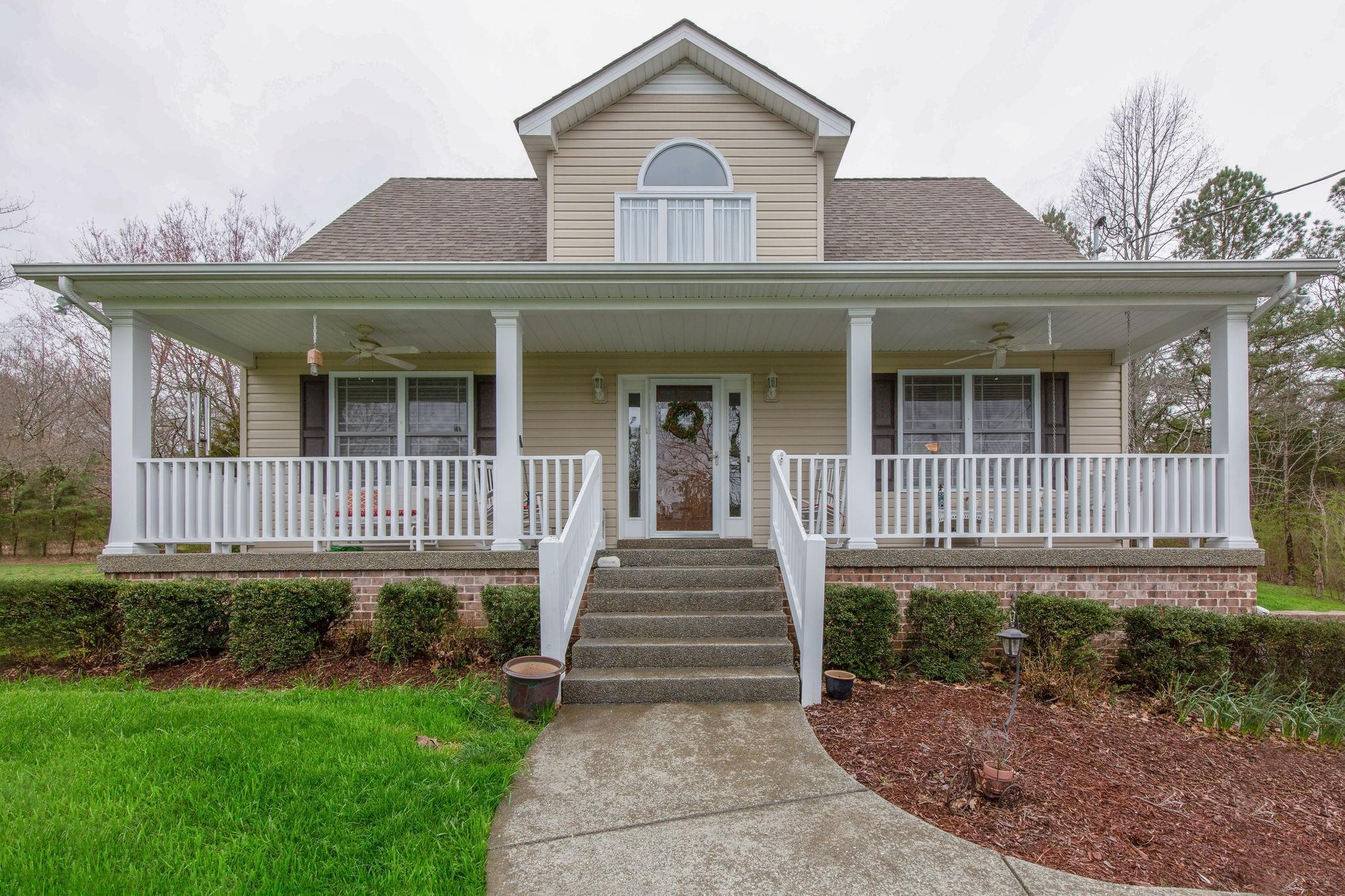 7025 Longview Ln Property Photo - Bon Aqua, TN real estate listing