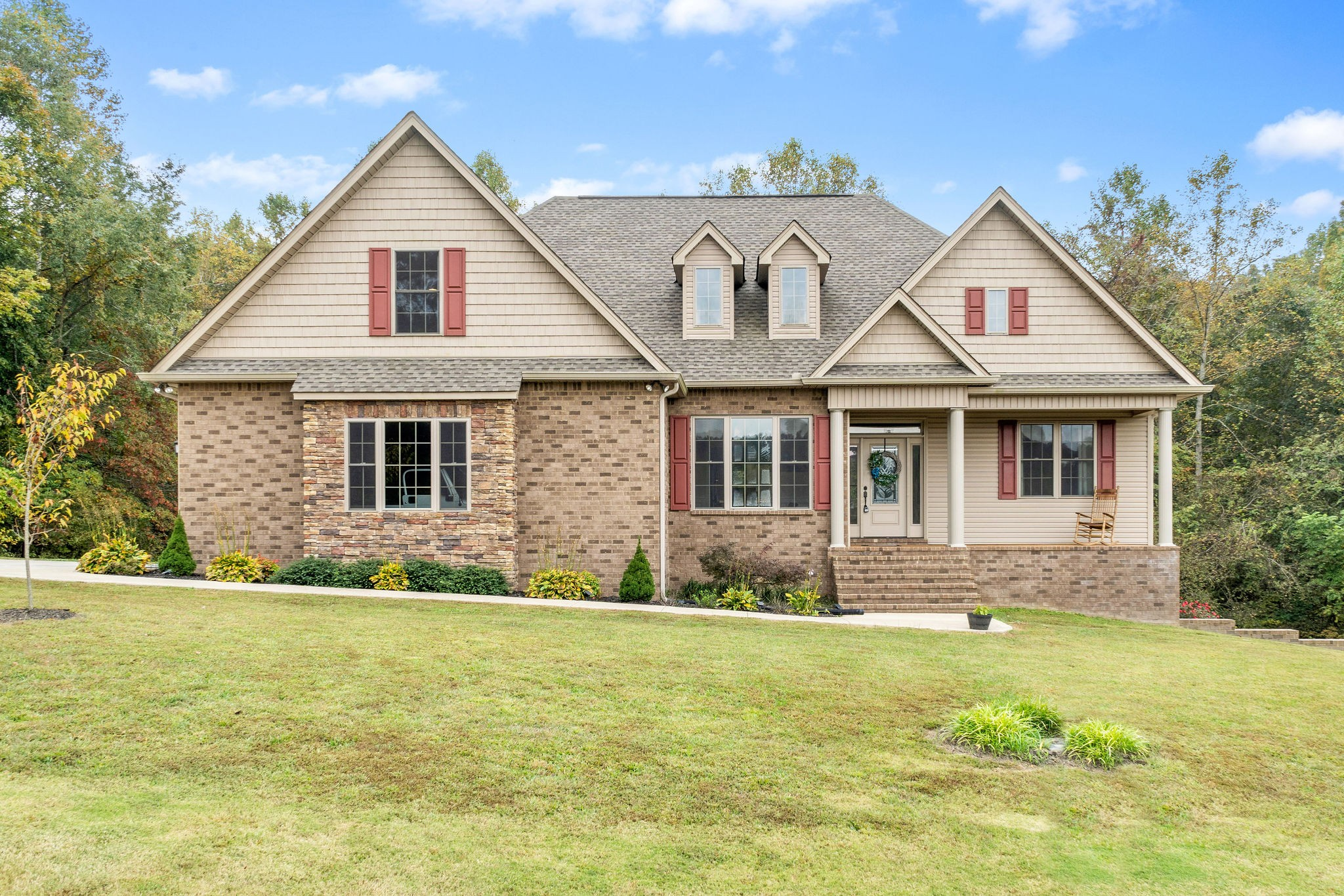 136 Hickory Hills Ln Property Photo - Tennessee Ridge, TN real estate listing