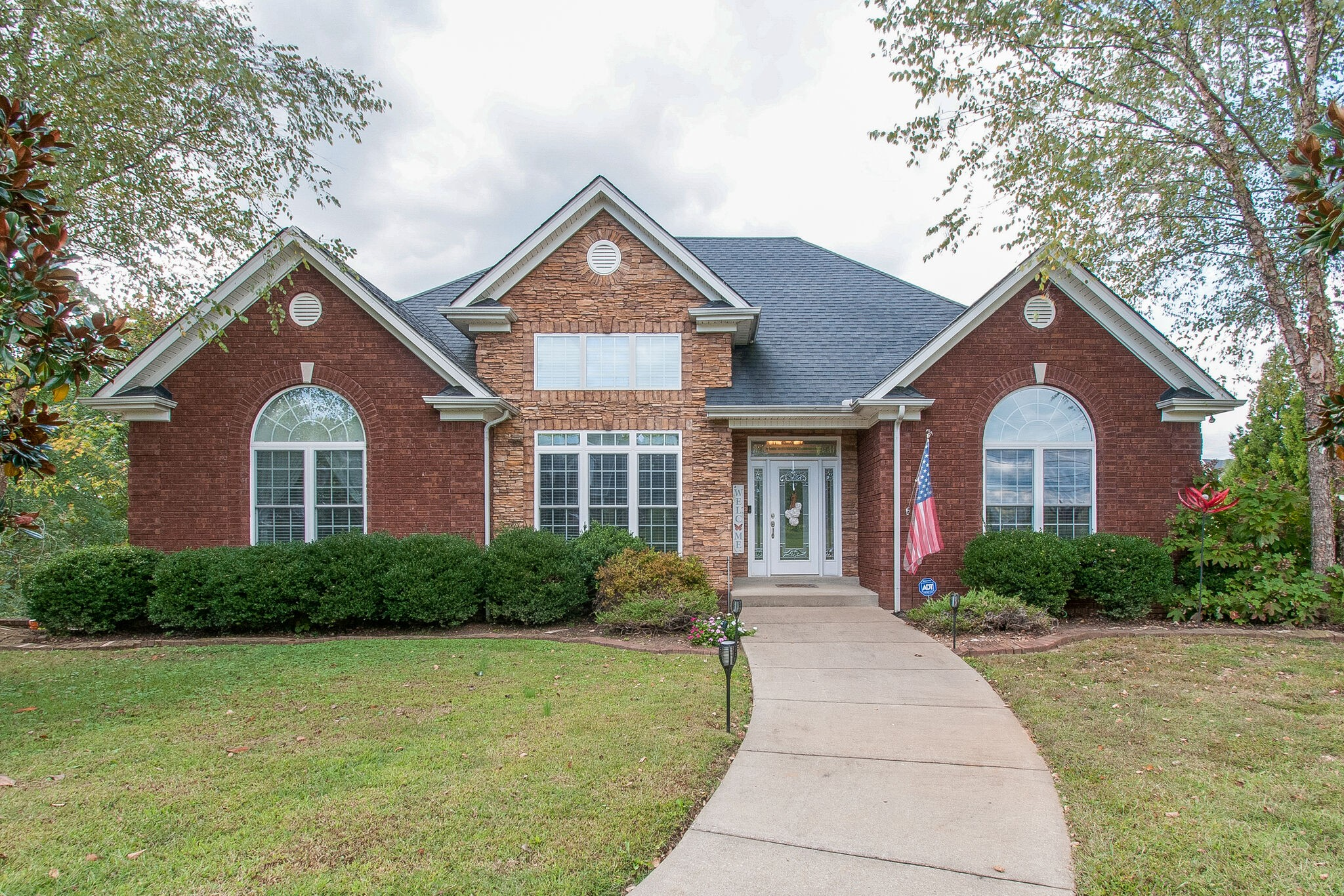1000 Bee Tee Ln Property Photo - Pleasant View, TN real estate listing
