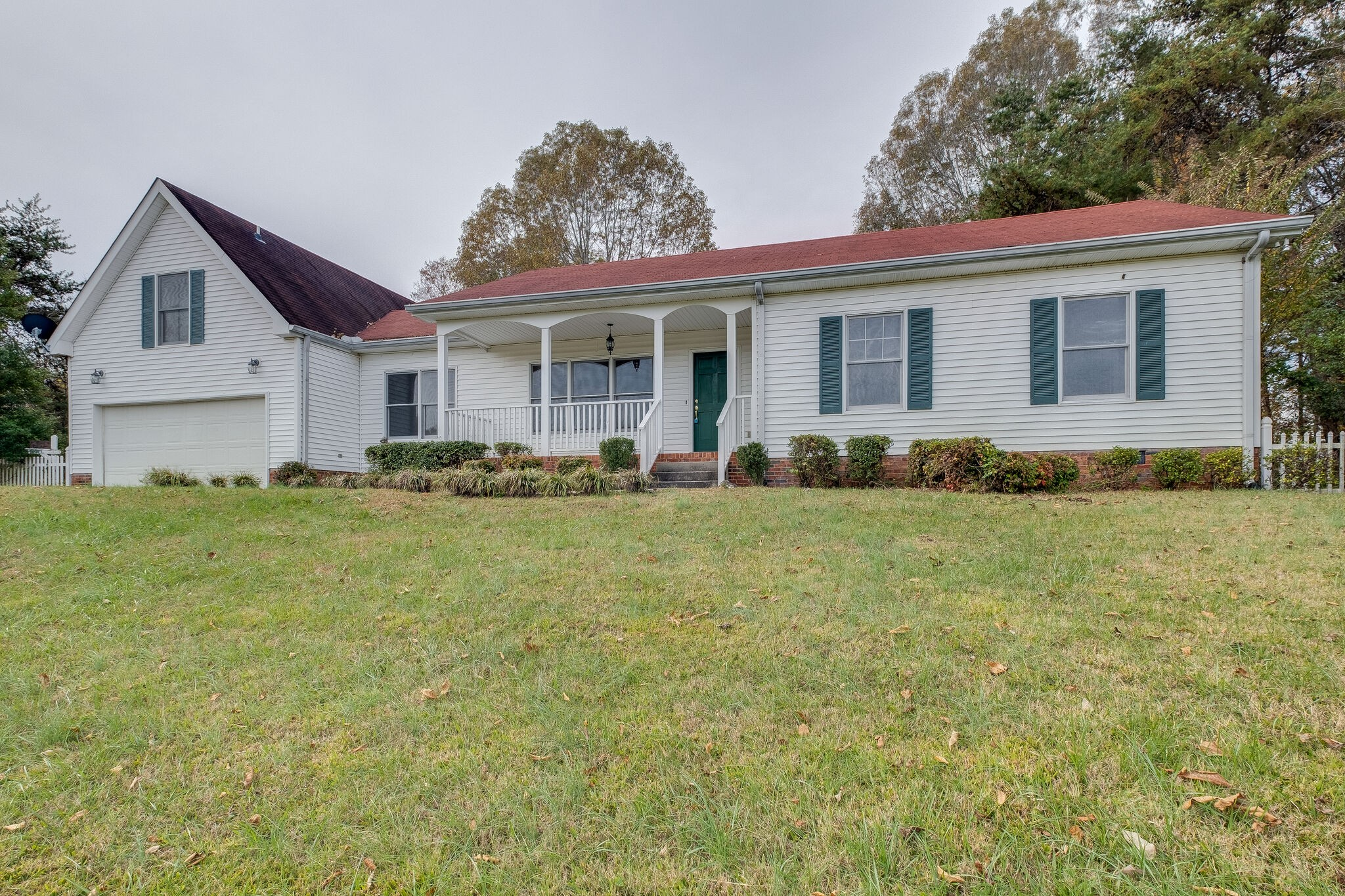 1114 Spring Creek Rd Property Photo - Chapmansboro, TN real estate listing