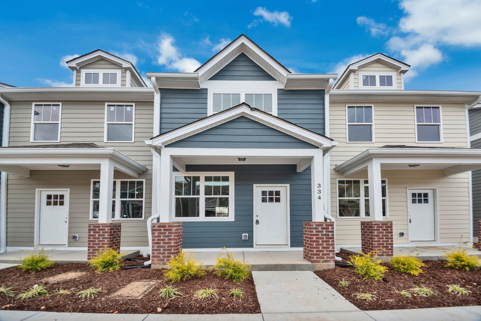 Autumn Ridge Townhomes Real Estate Listings Main Image