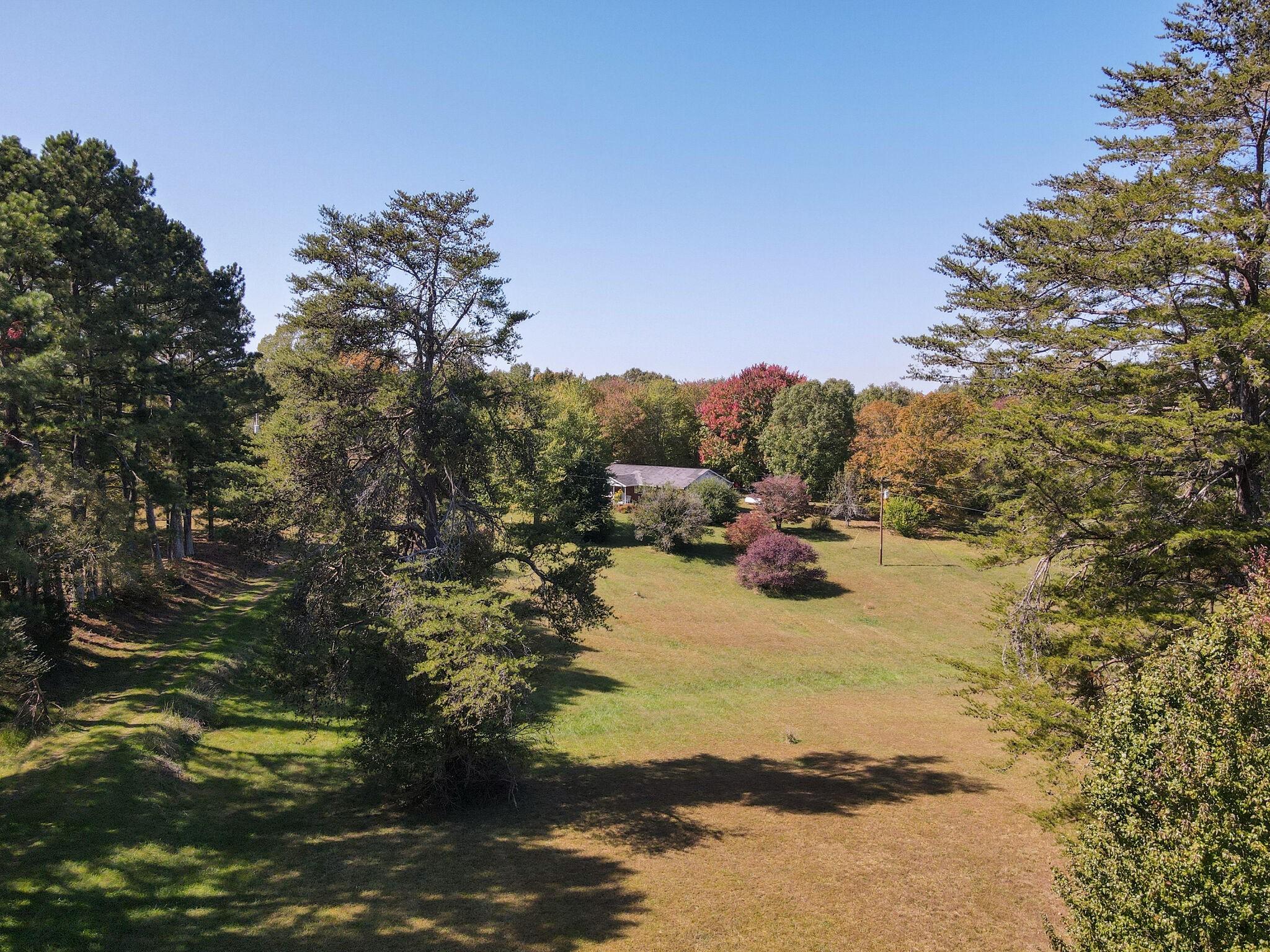 1011 Clarence Binkley Rd Property Photo - Ashland City, TN real estate listing