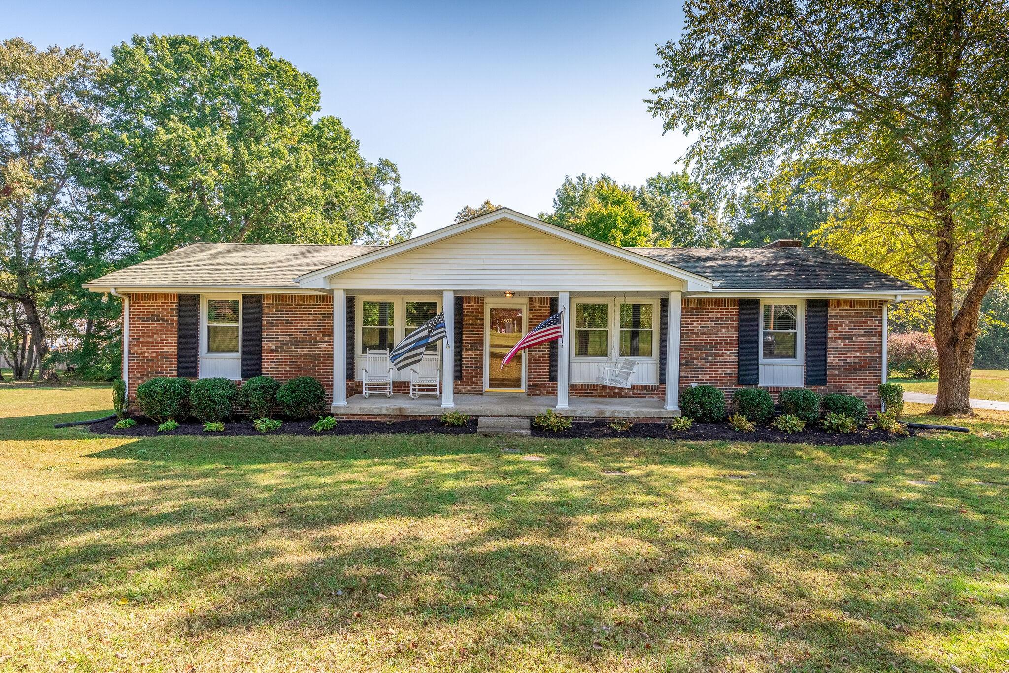 1205 White Bluff Road Property Photo - White Bluff, TN real estate listing