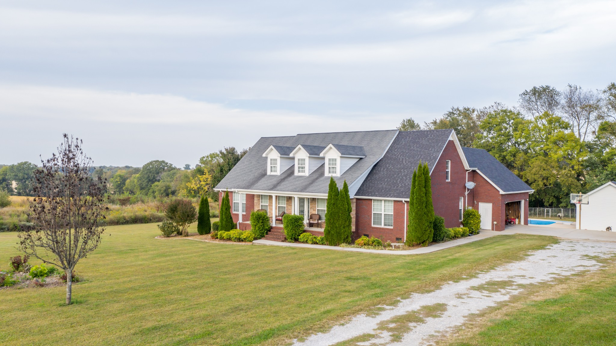 1231 Buncombe Rd Property Photo - Belvidere, TN real estate listing