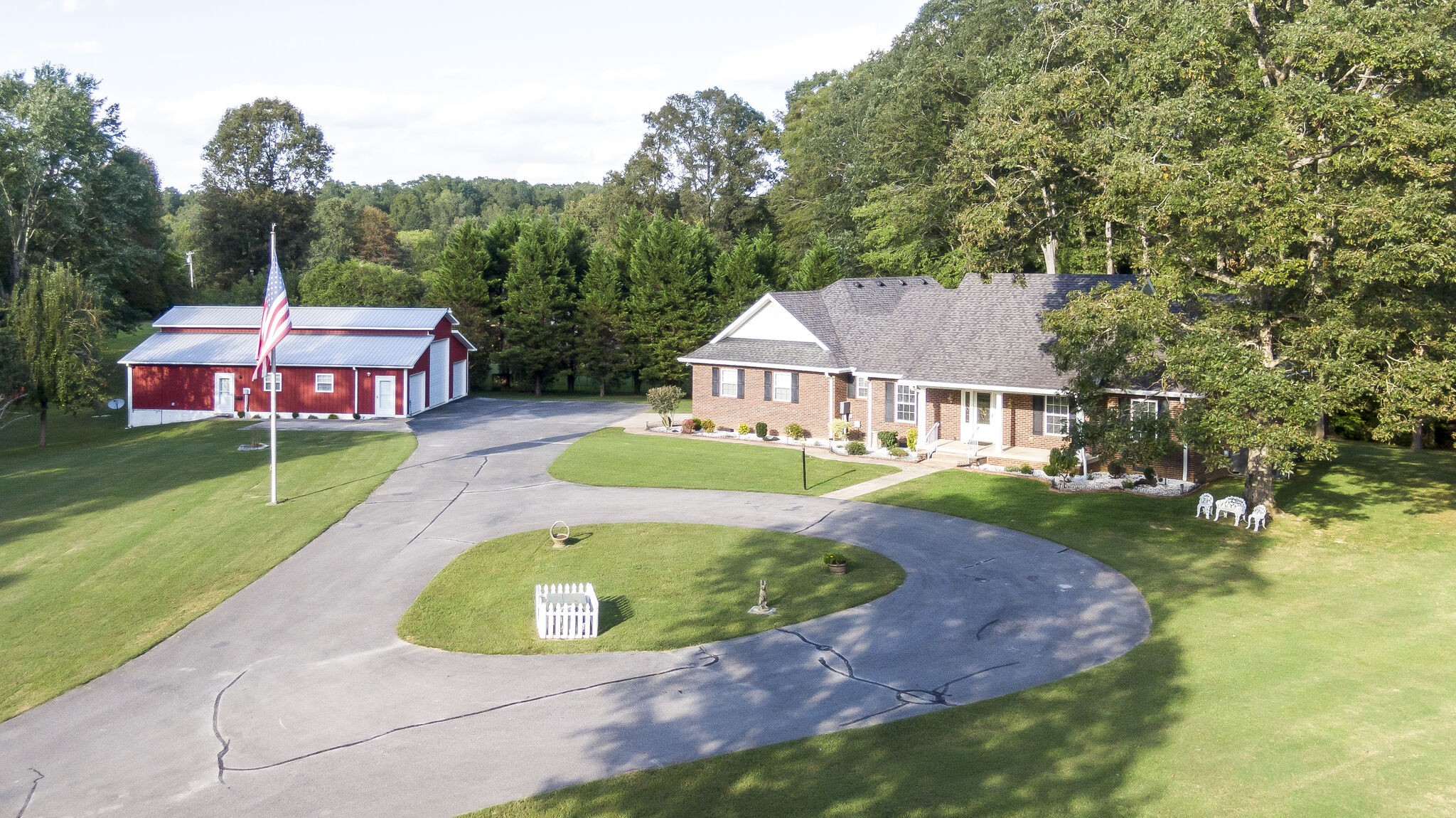 1920 Skyview Dr Property Photo - Centerville, TN real estate listing