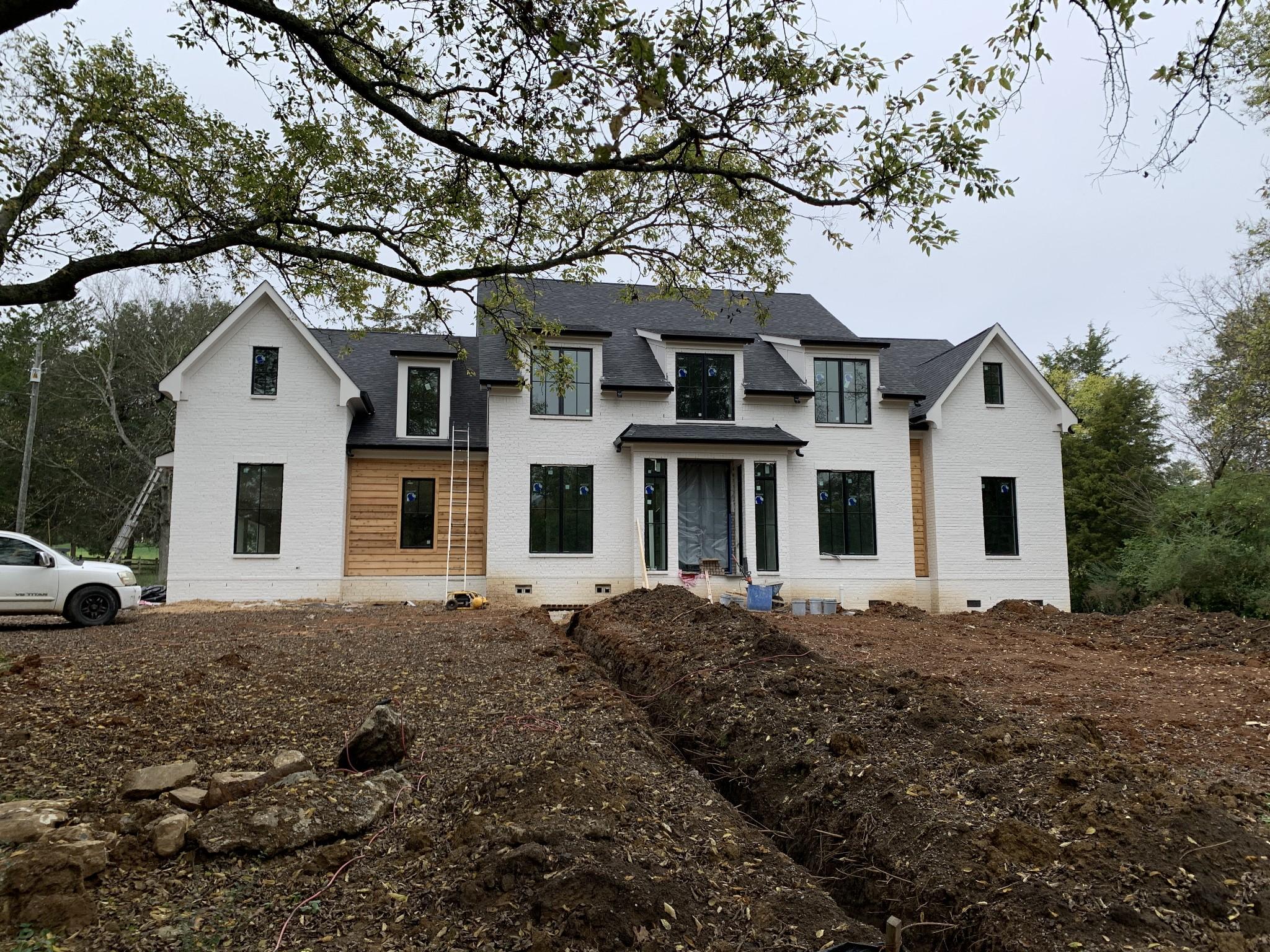 6125 Montcrest Dr Property Photo - Nashville, TN real estate listing