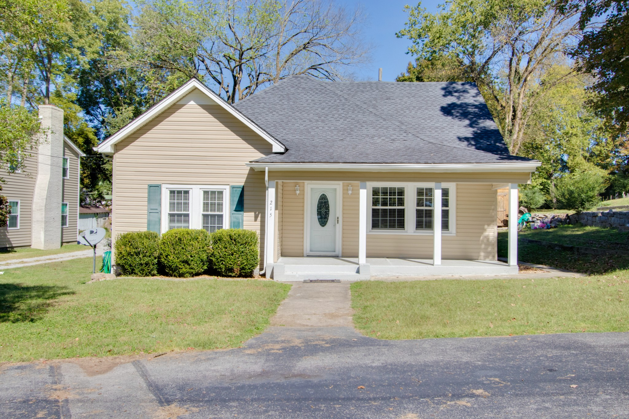 215 Fisher Ave Property Photo - Carthage, TN real estate listing