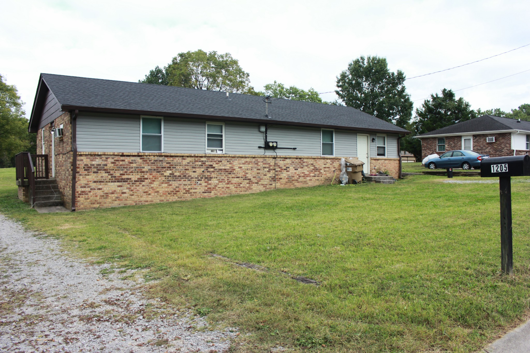 1205 Shawnee Rd Property Photo