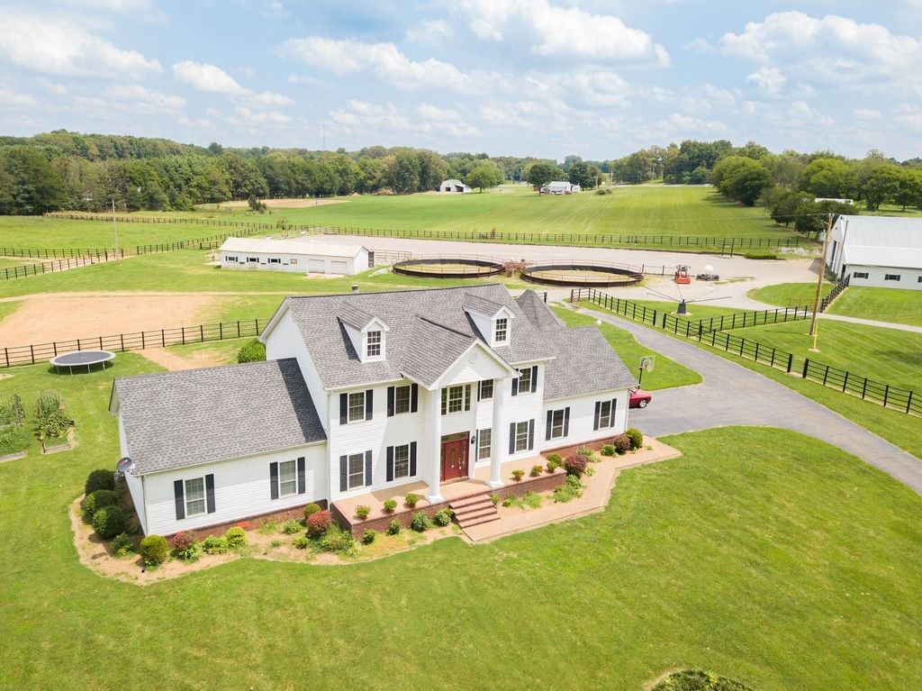 8604 Guthrie Ct Property Photo - Cross Plains, TN real estate listing