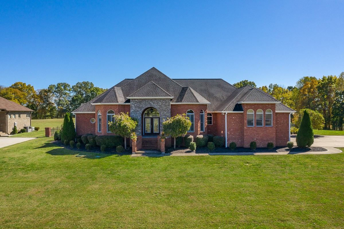 4011 Ironwood Dr Property Photo - Greenbrier, TN real estate listing